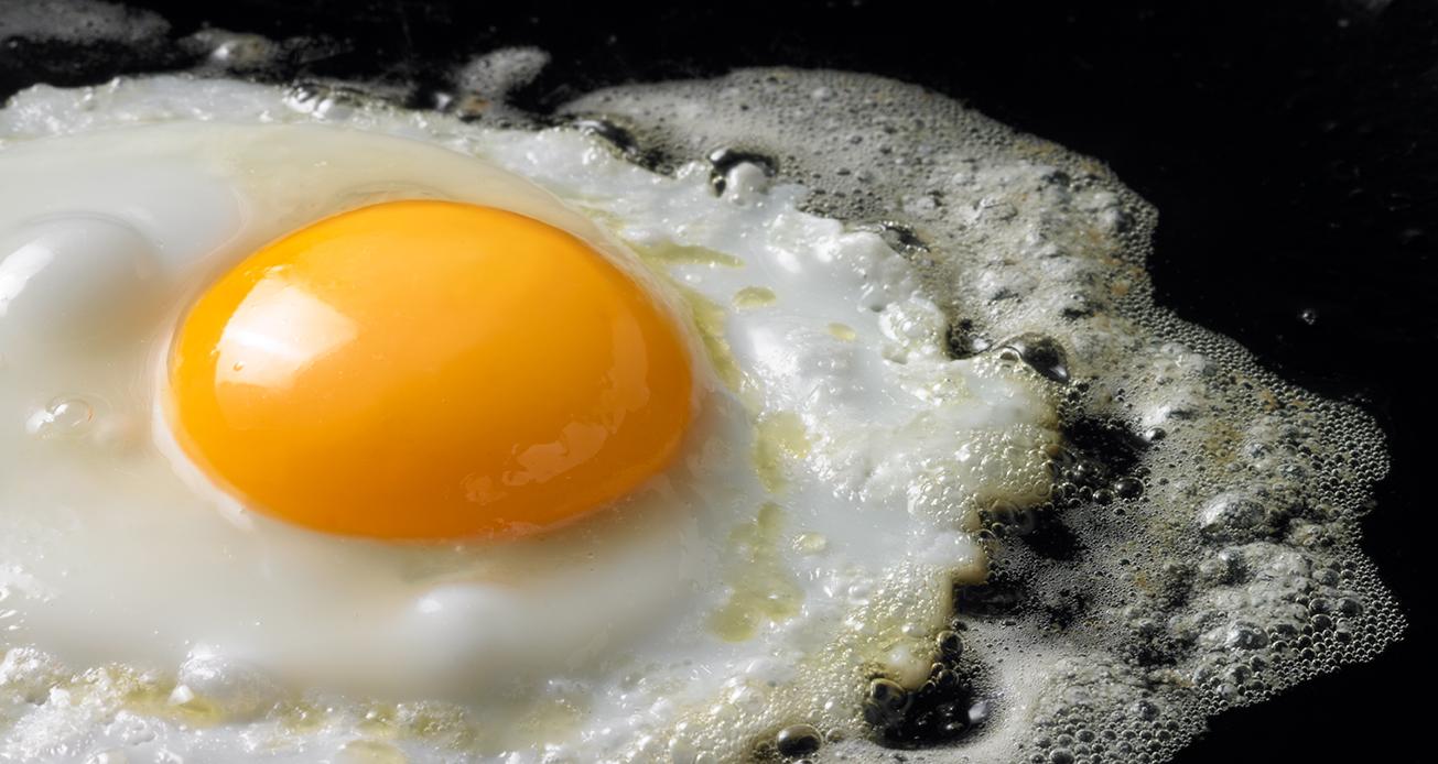 landscape-Close-up-of-egg-frying-56315-copy.jpg