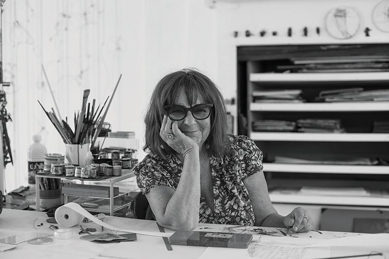 Michelle Knoblauch dans son atelier à Paris, 2017. Photo Pharoah Morsan.