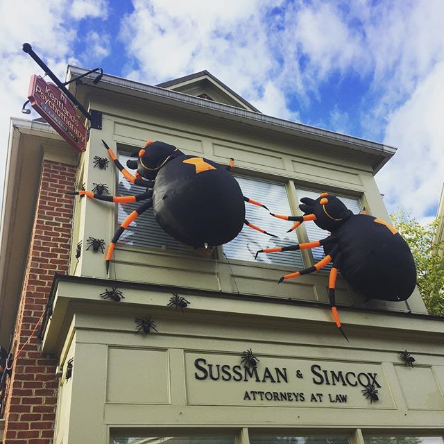 🎃 Halloween is coming to The Kentlands! 🎃 #onlykentlands #alwaysbethriving #kentlands #thekentlands #kentlandsusa #gaithersburg #montgomerycounty #maryland #dcsuburb