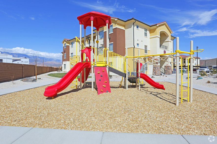 the-retreat-at-sky-mountain-hurricane-ut-playground (1).jpg