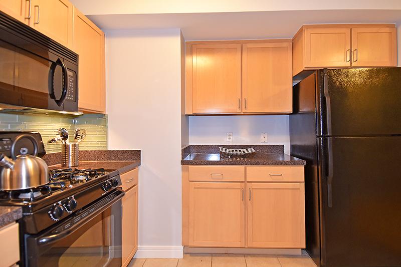 5 Kitchen 4.jpg