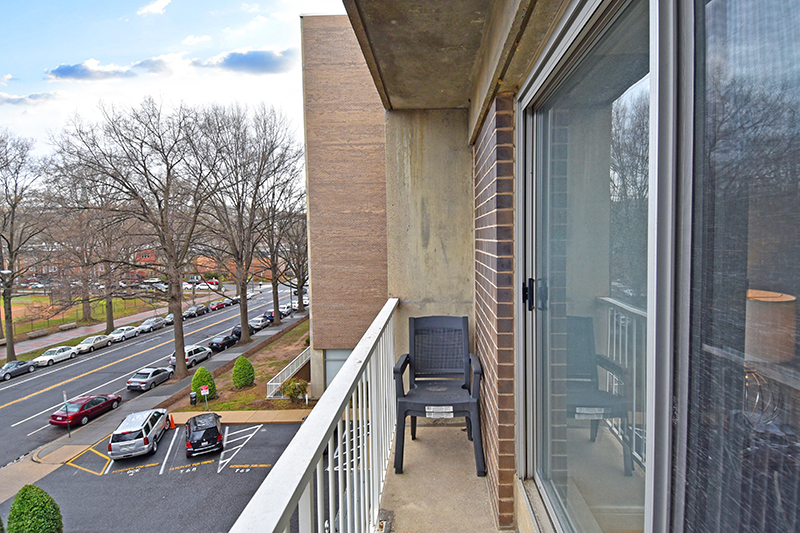 11 Balcony 2.jpg