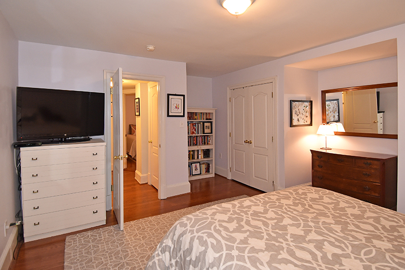 18 Bedroom 4.jpg
