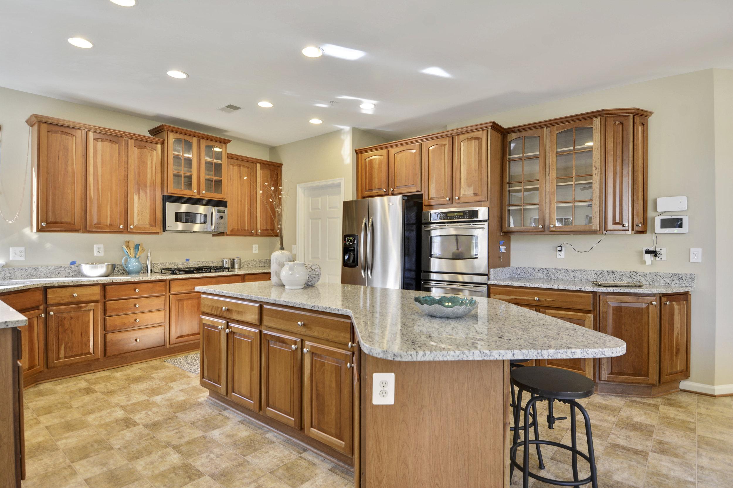 Main Level-Kitchen-_DSC3216.JPG