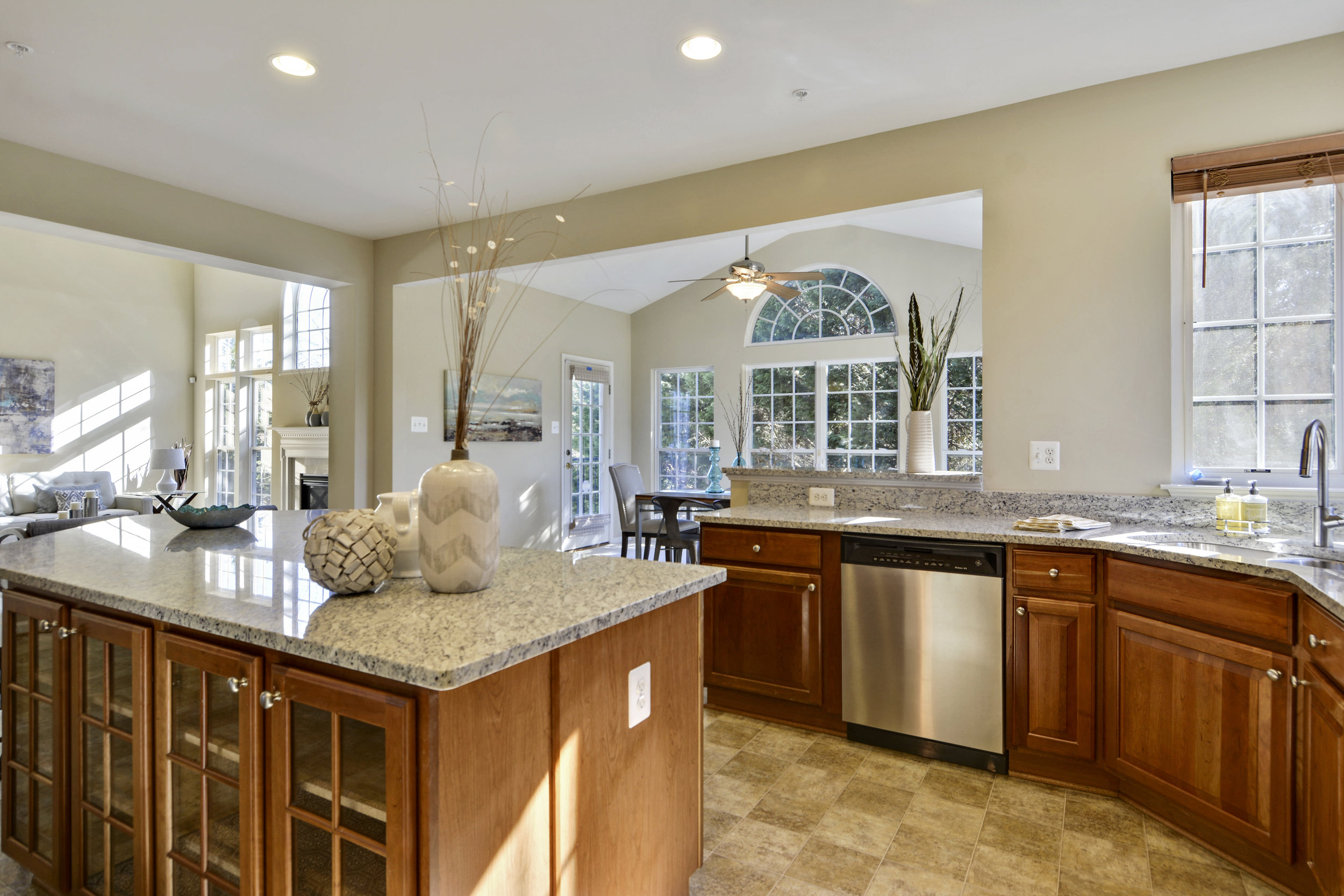 Main Level-Kitchen-_DSC3222.JPG