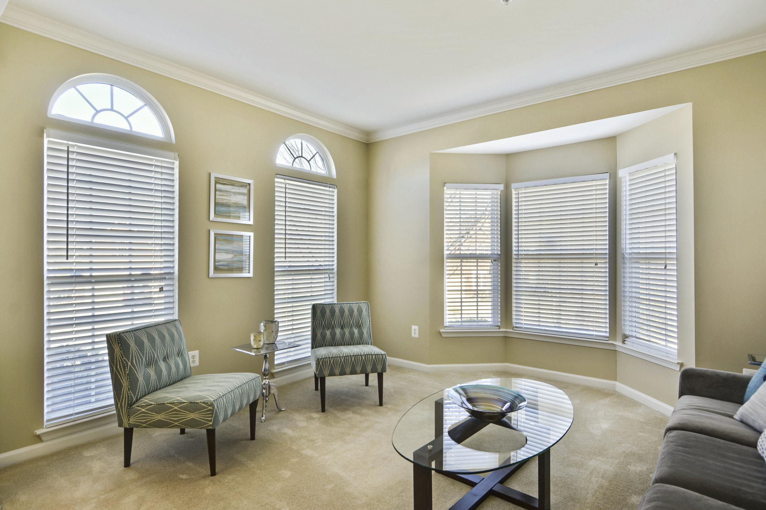 Main Level-Living Room-_DSC3198.JPG