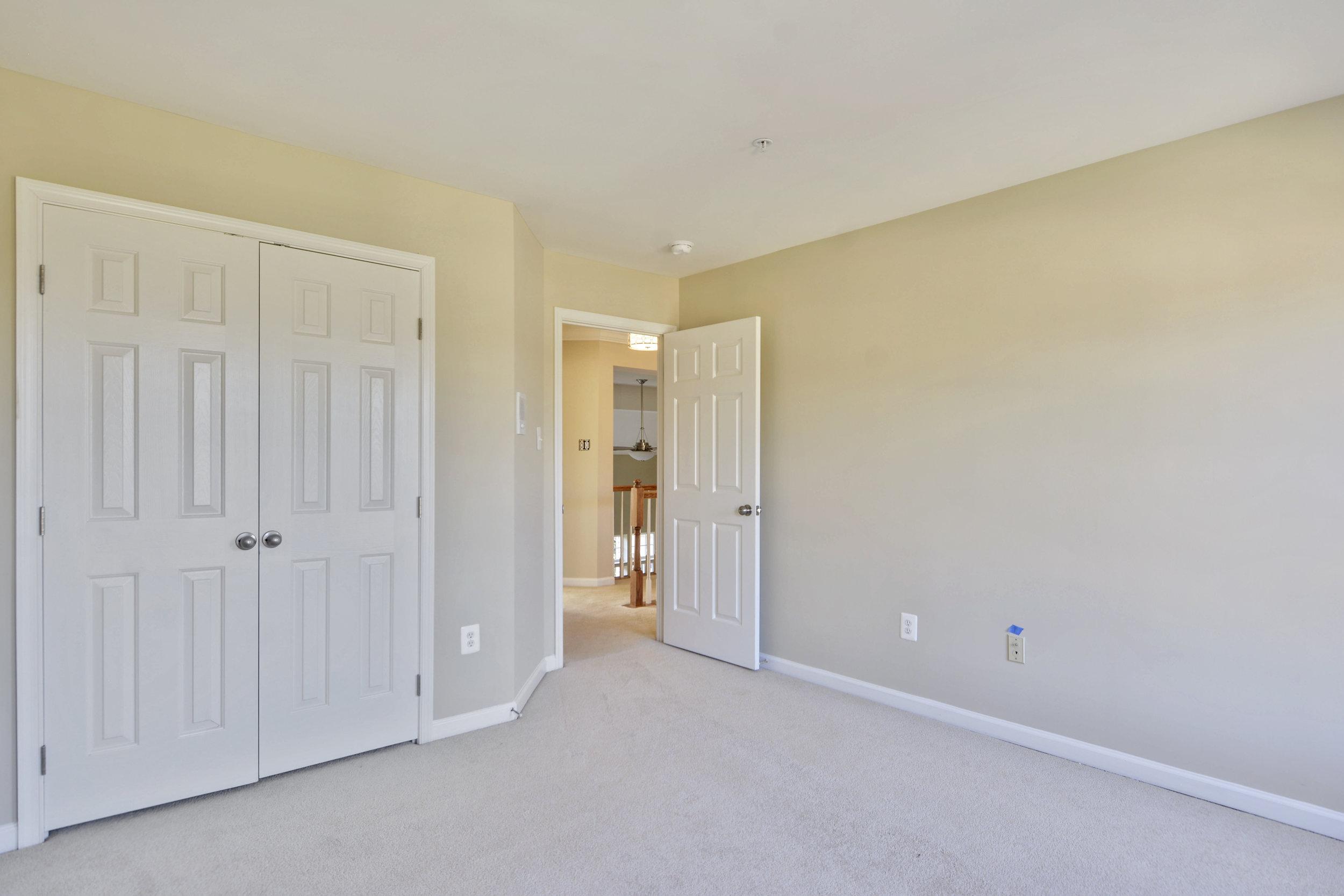 Upper Level-Bedroom-_DSC3303.JPG