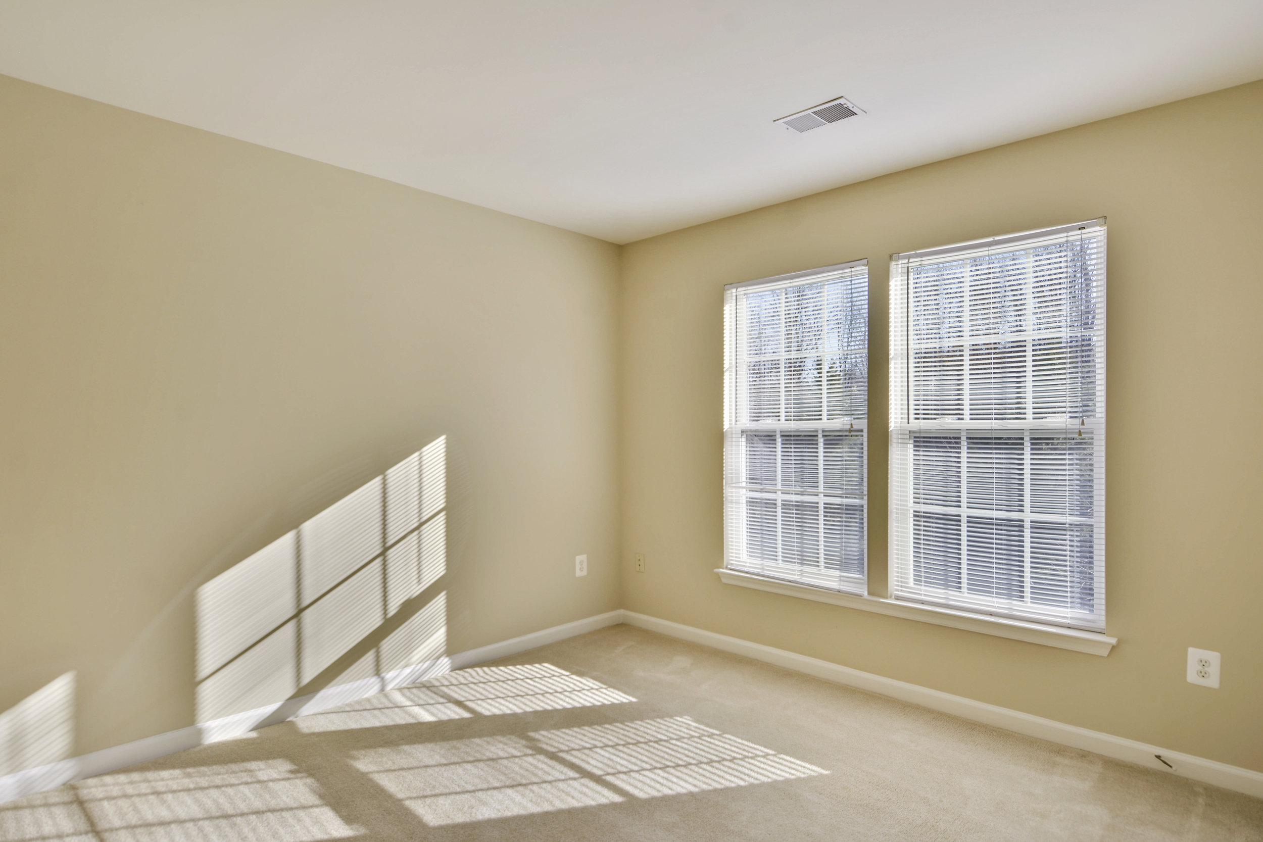 Upper Level-Bedroom-_DSC3309.JPG
