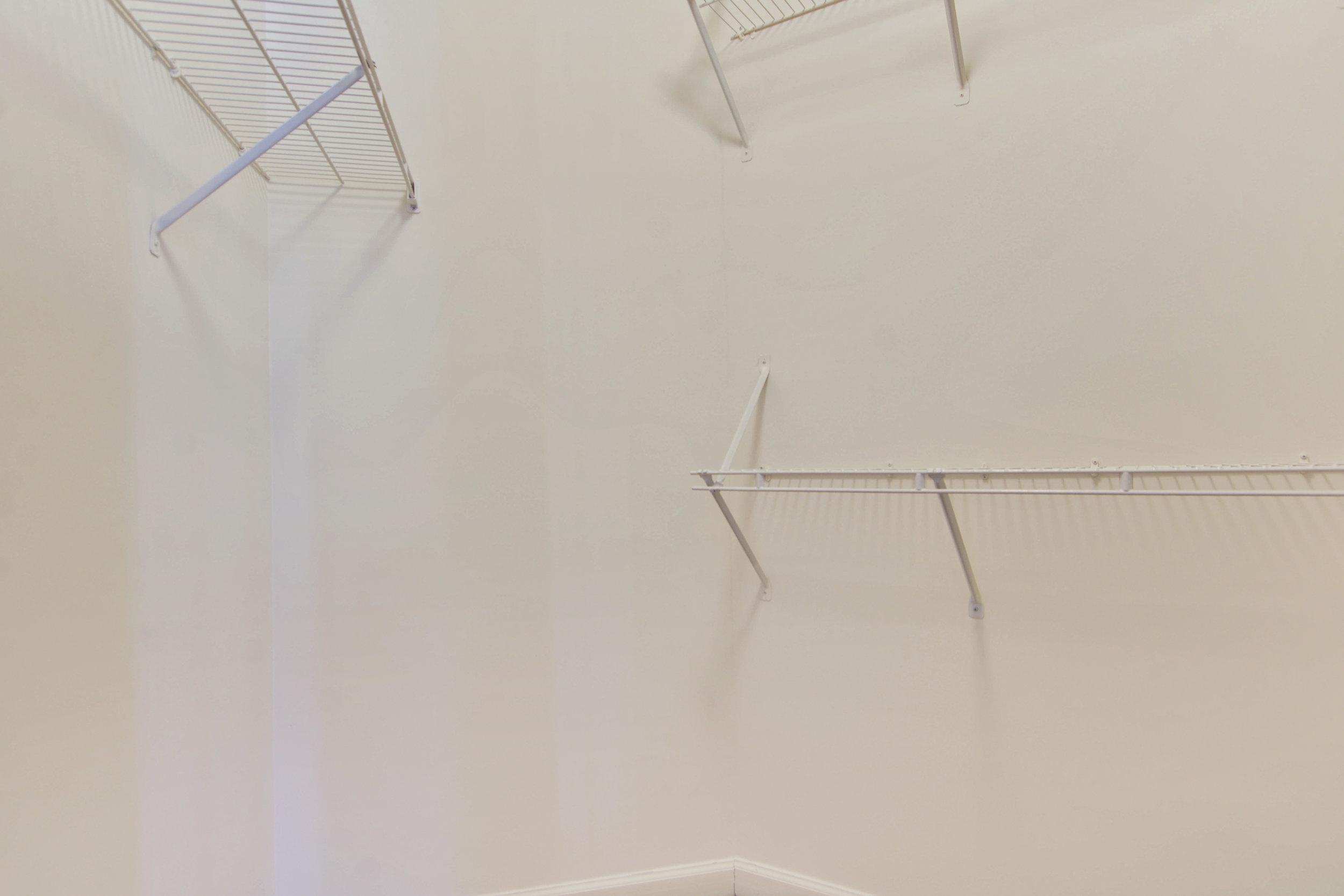 Upper Level-Closet-_DSC3351.JPG