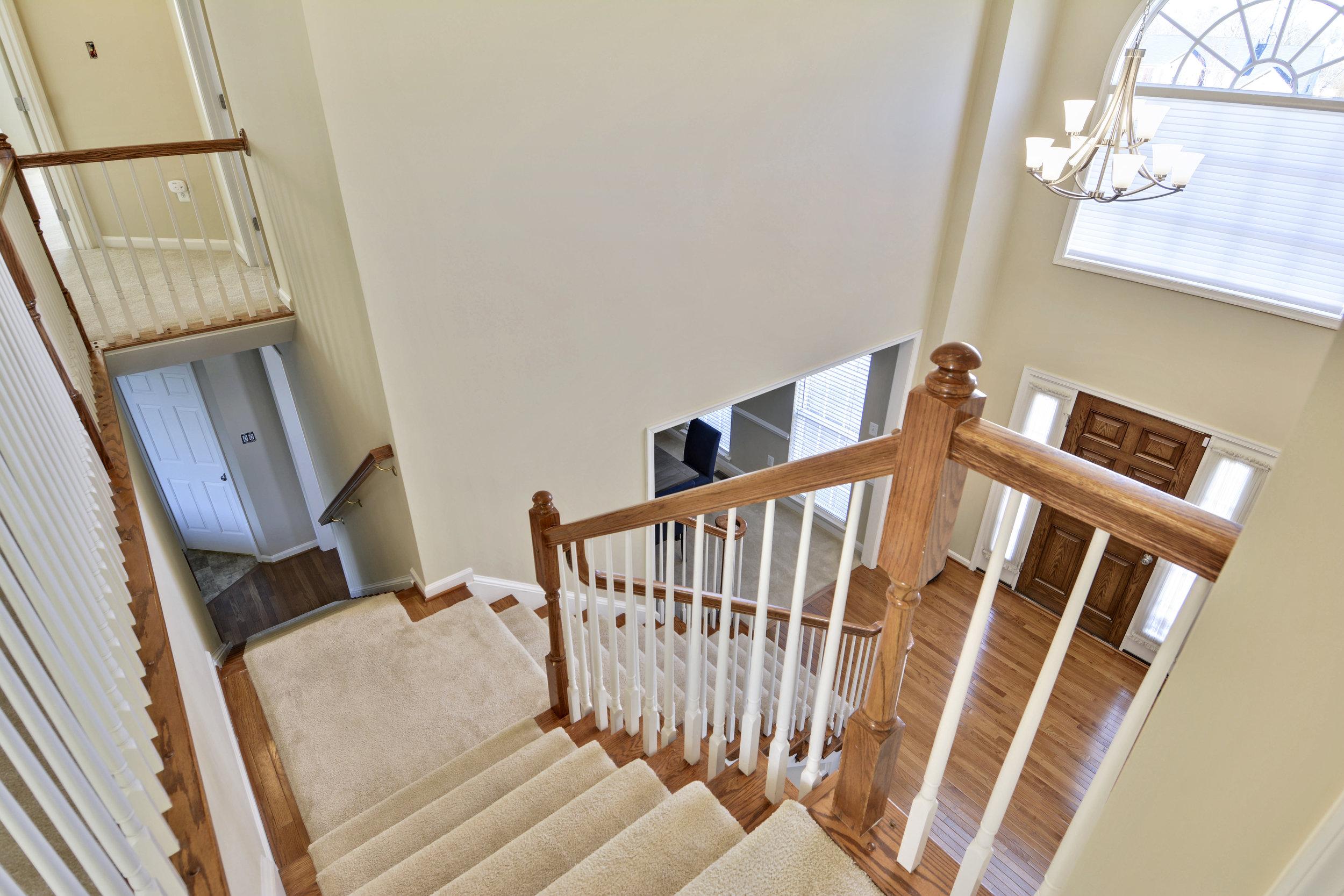 Upper Level-Stairs-_DSC3357.JPG