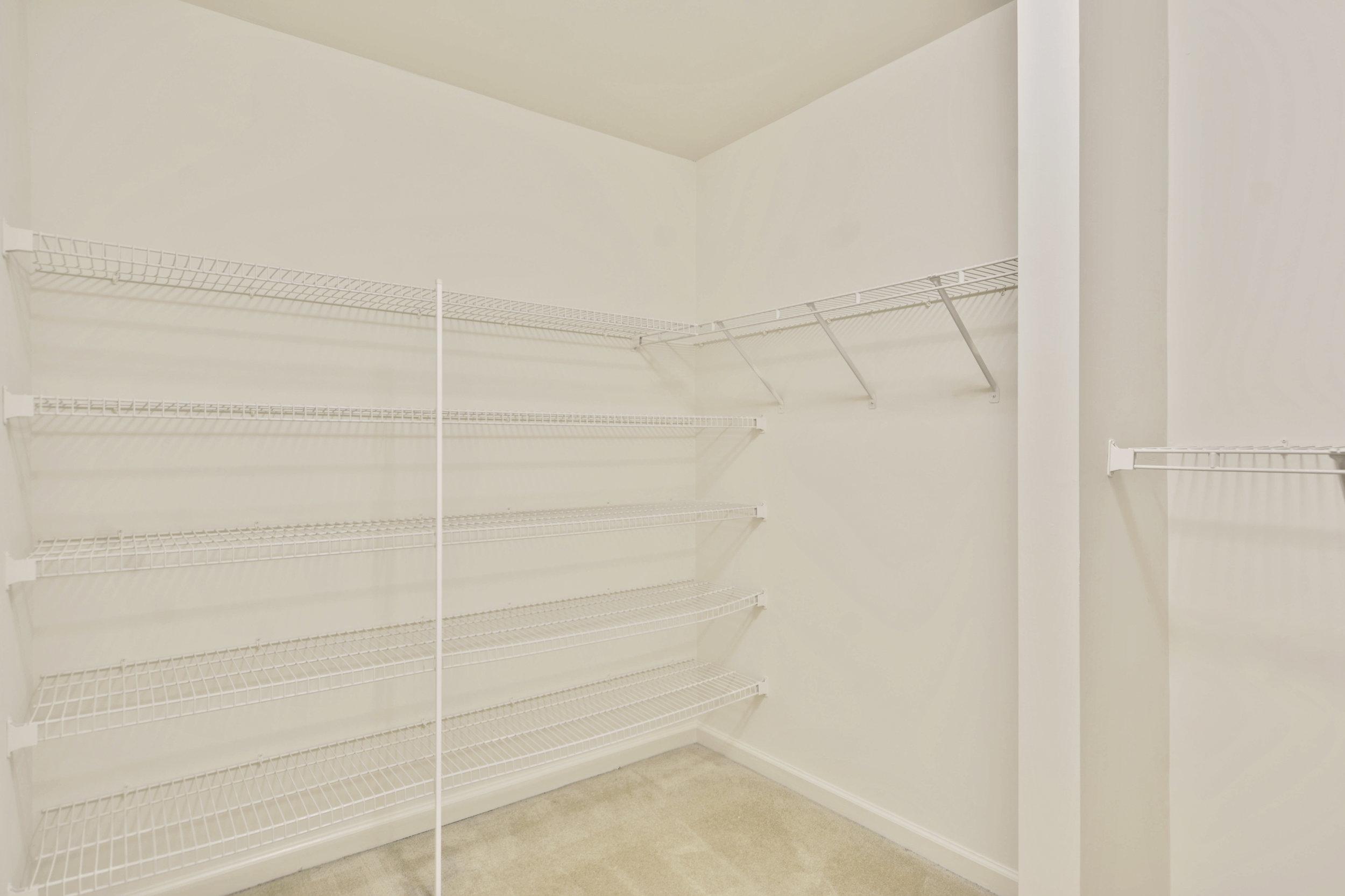 Upper Level-Walk In Closet-_DSC3330.JPG
