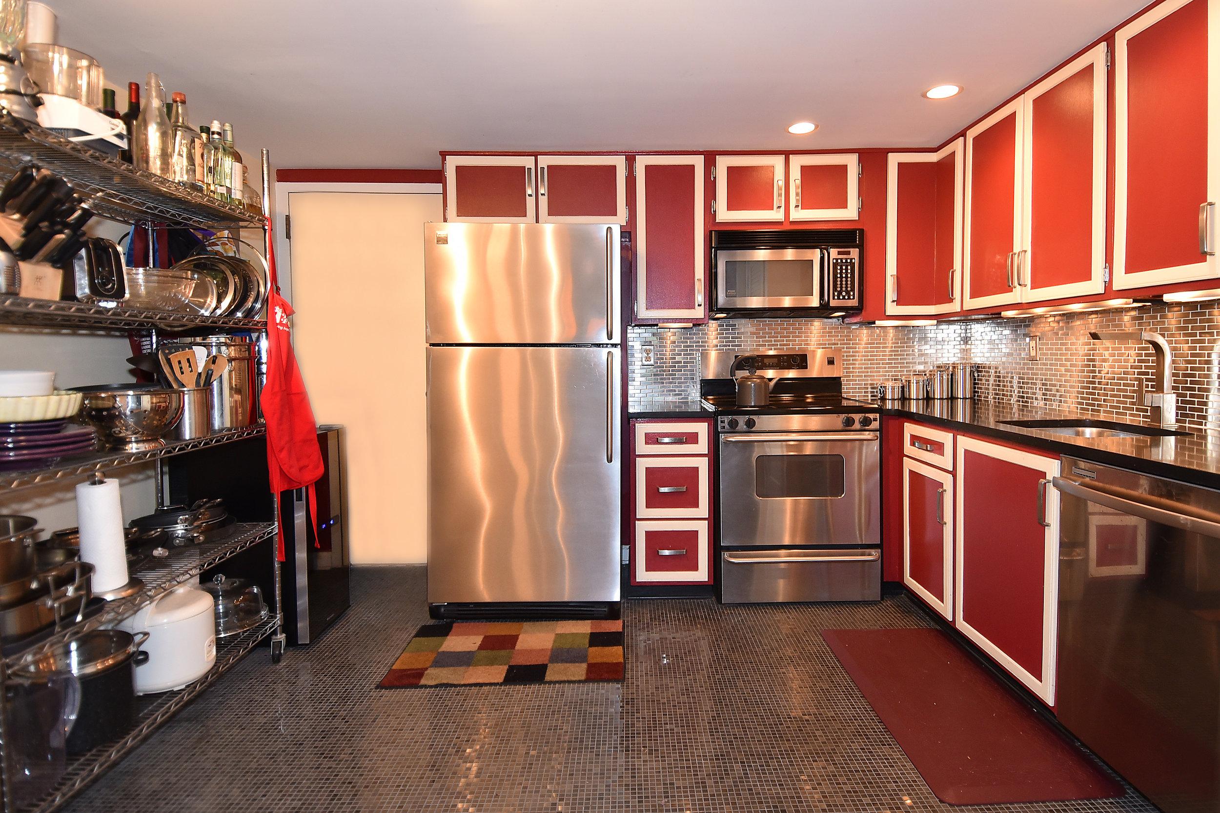3 Kitchen 2.JPG