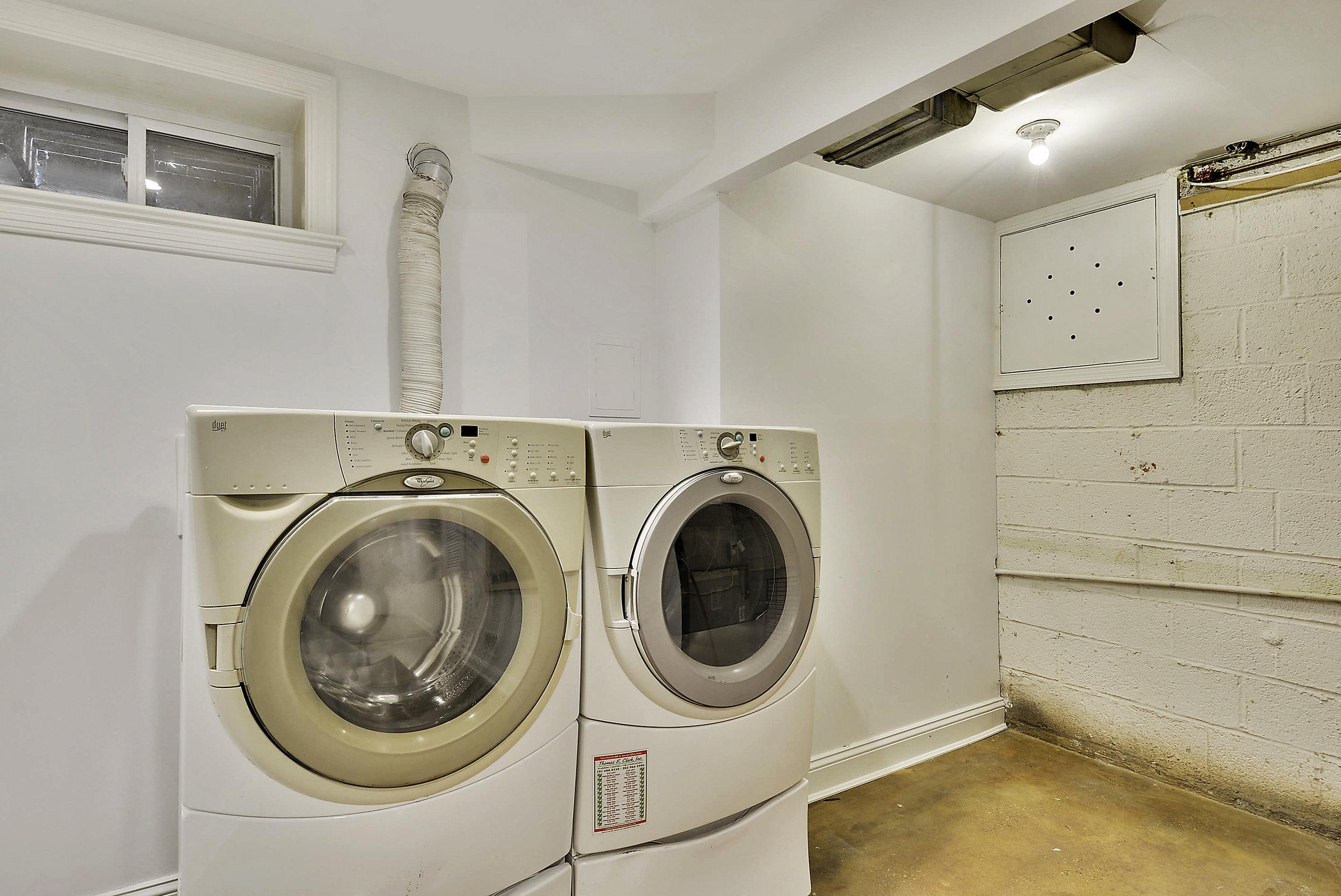 Lower Level-Washer Dryer-_DSC5849.JPG