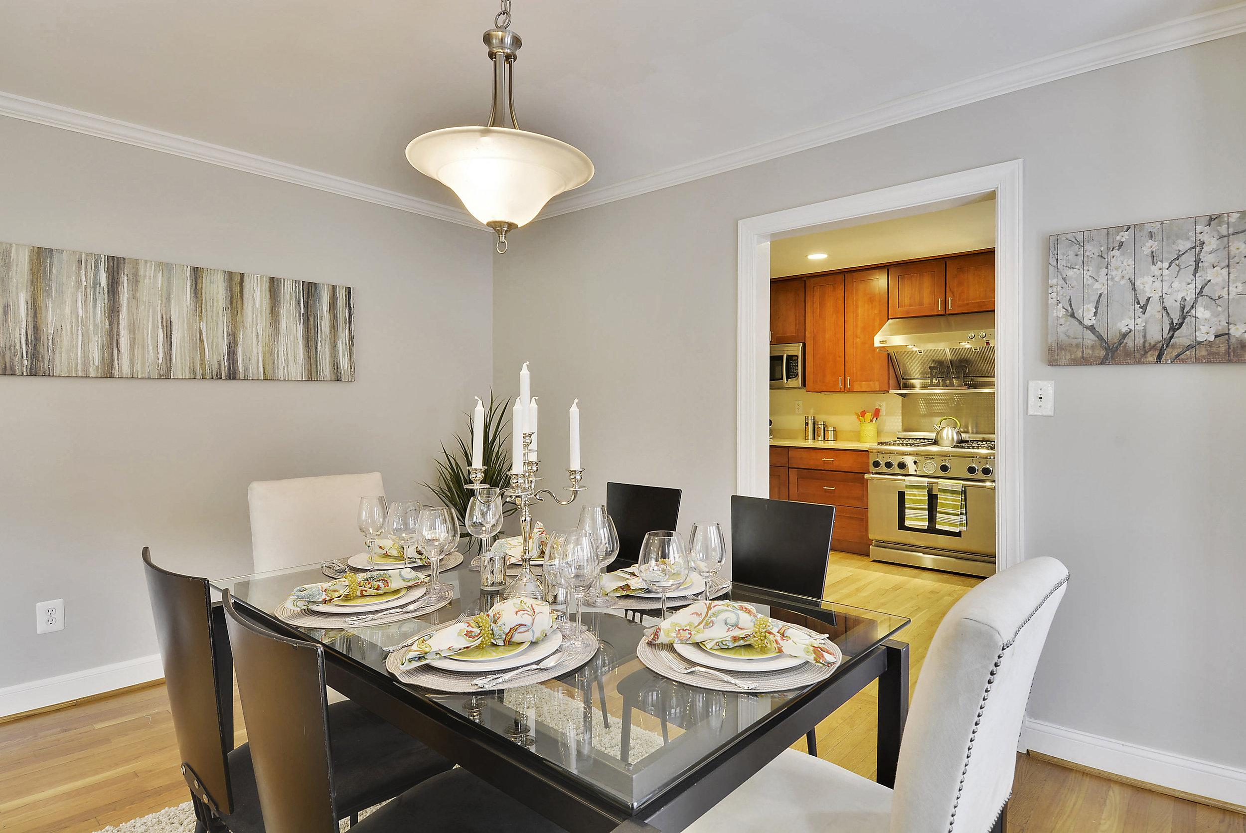 Main Level-Dining Room-_DSC5990.JPG