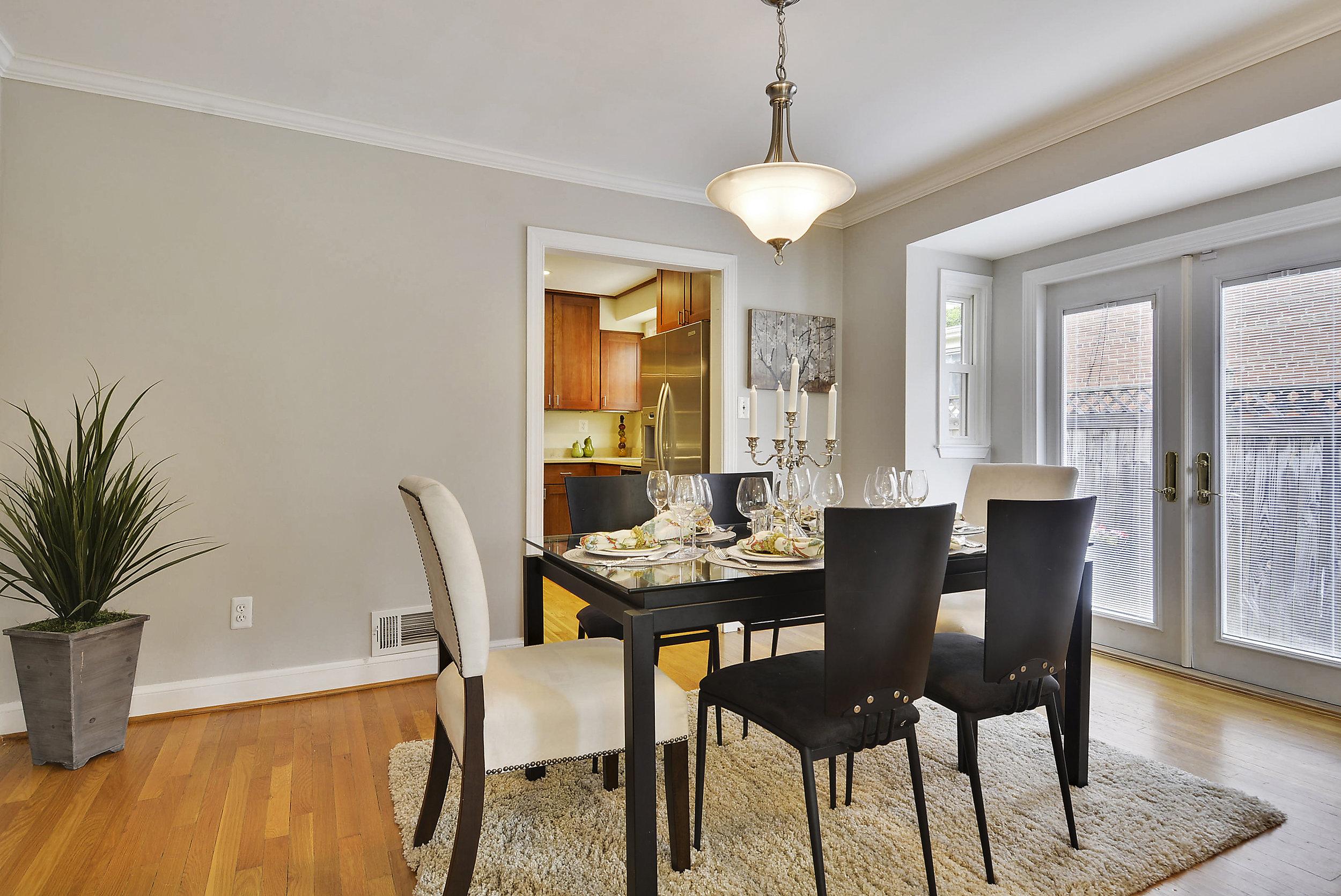 Main Level-Dining Room-_DSC5985.JPG
