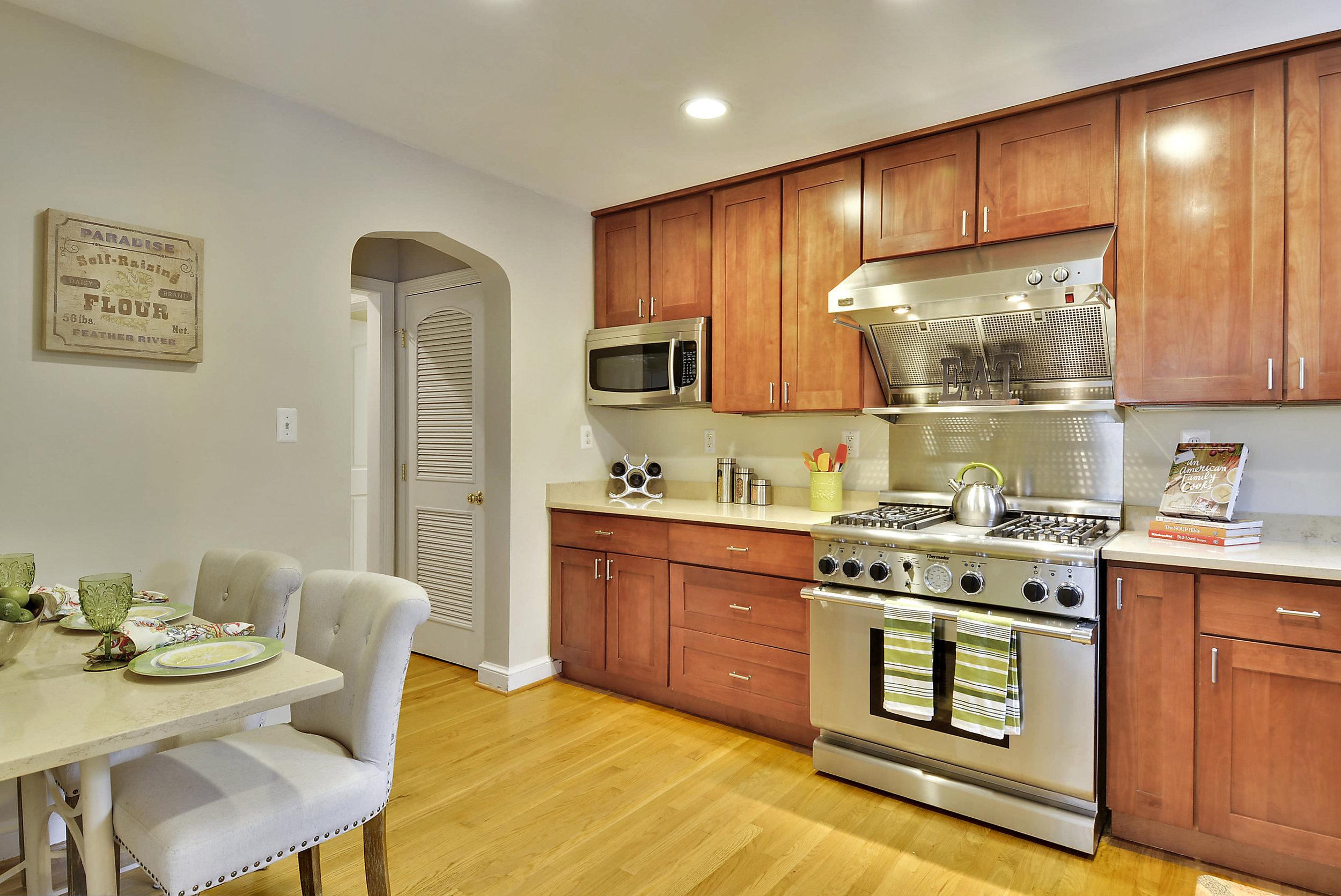 Main Level-Kitchen-_DSC6000.JPG