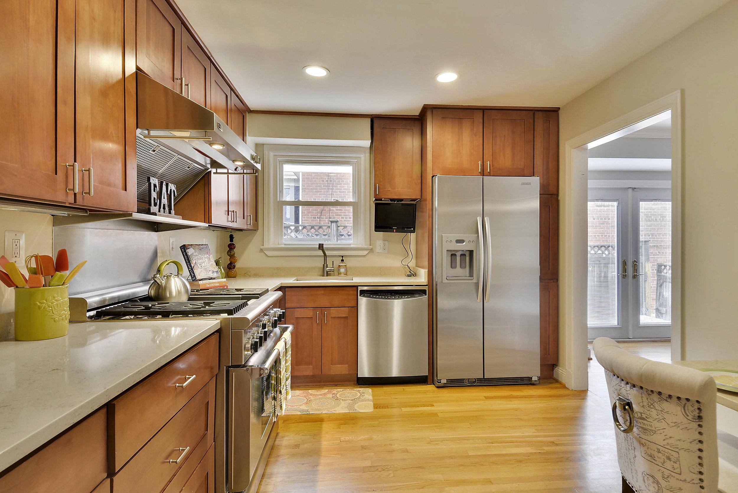 Main Level-Kitchen-_DSC6005.JPG