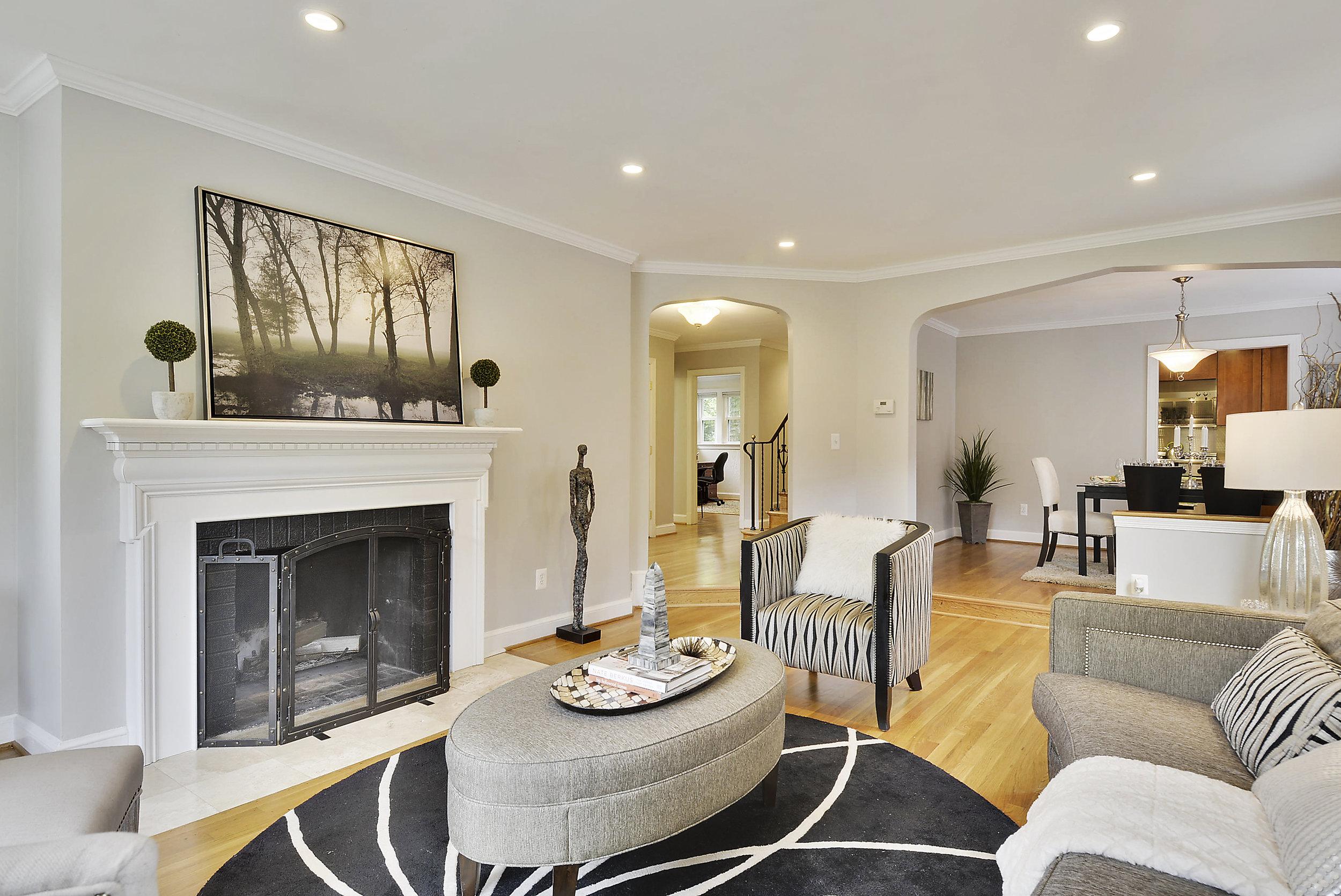 Main Level-Living Room-_DSC5980.JPG