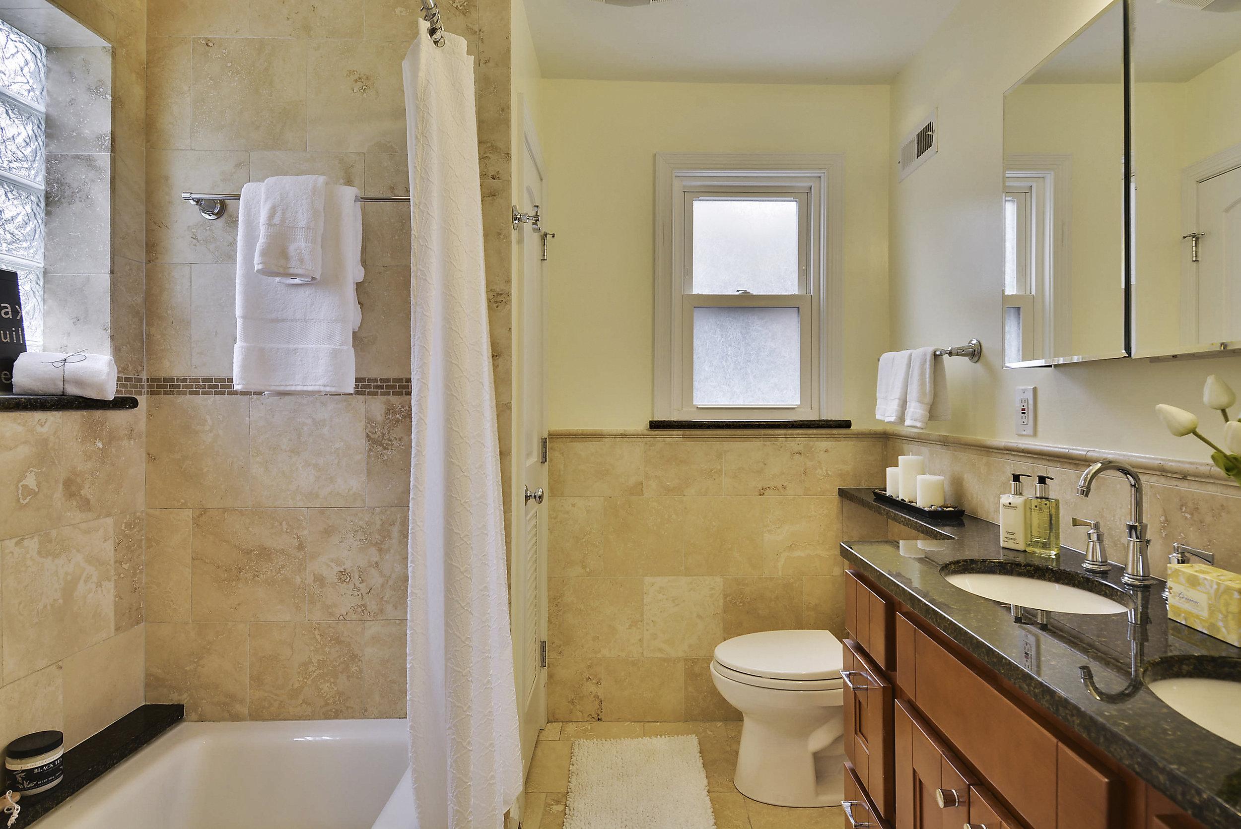 Main Level-Master Bath-_DSC6040.JPG