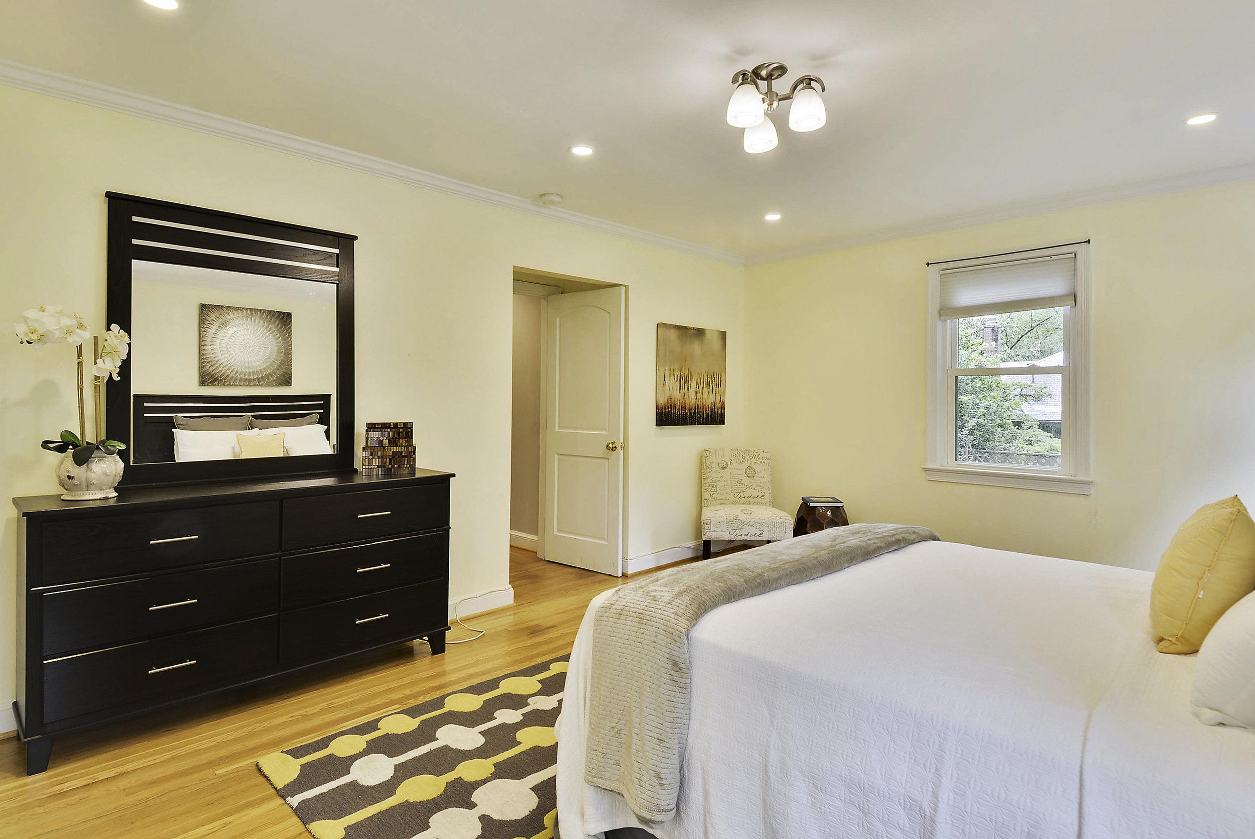 Main Level-Master Bedroom-_DSC6055.JPG