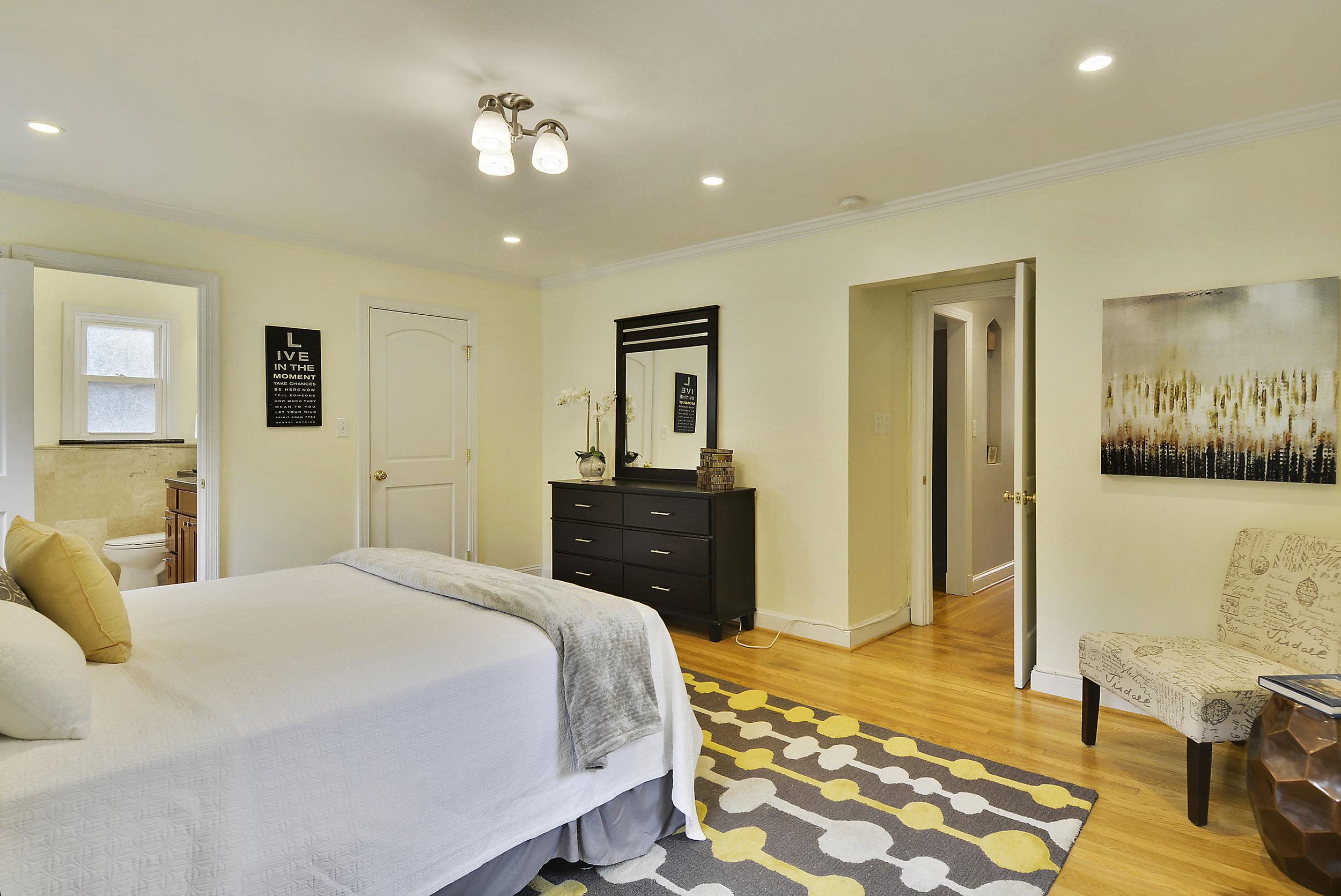 Main Level-Master Bedroom-_DSC6060.JPG