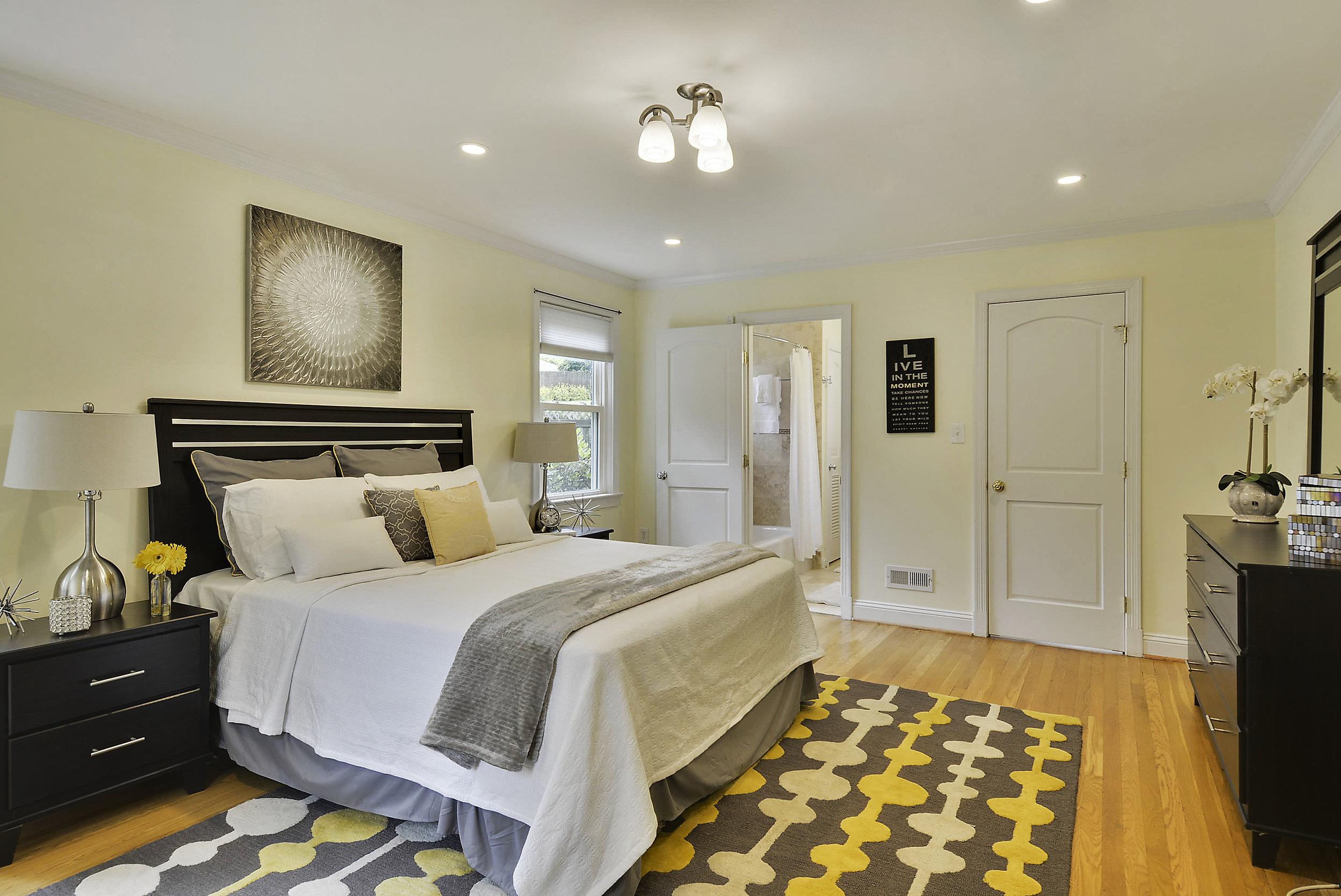 Main Level-Master Bedroom-_DSC6065.JPG