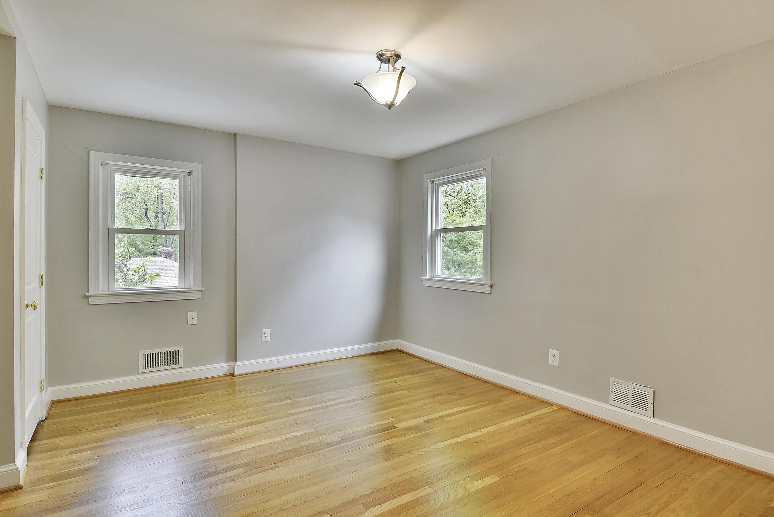 Upper Level-Bedroom-_DSC5909.JPG