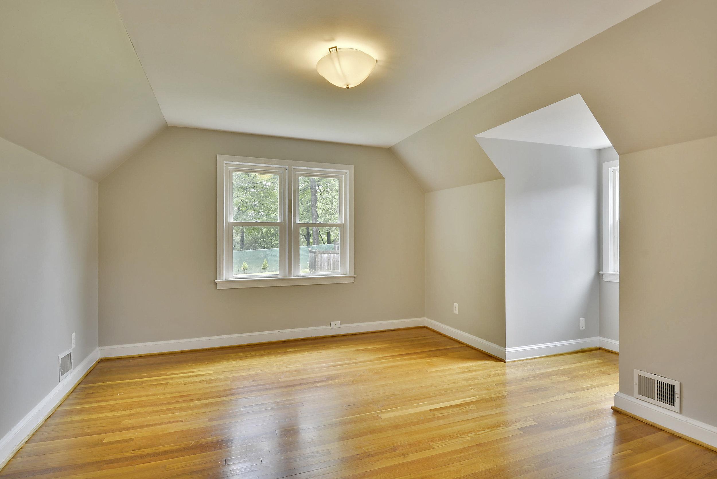 Upper Level-Bedroom-_DSC5924.JPG