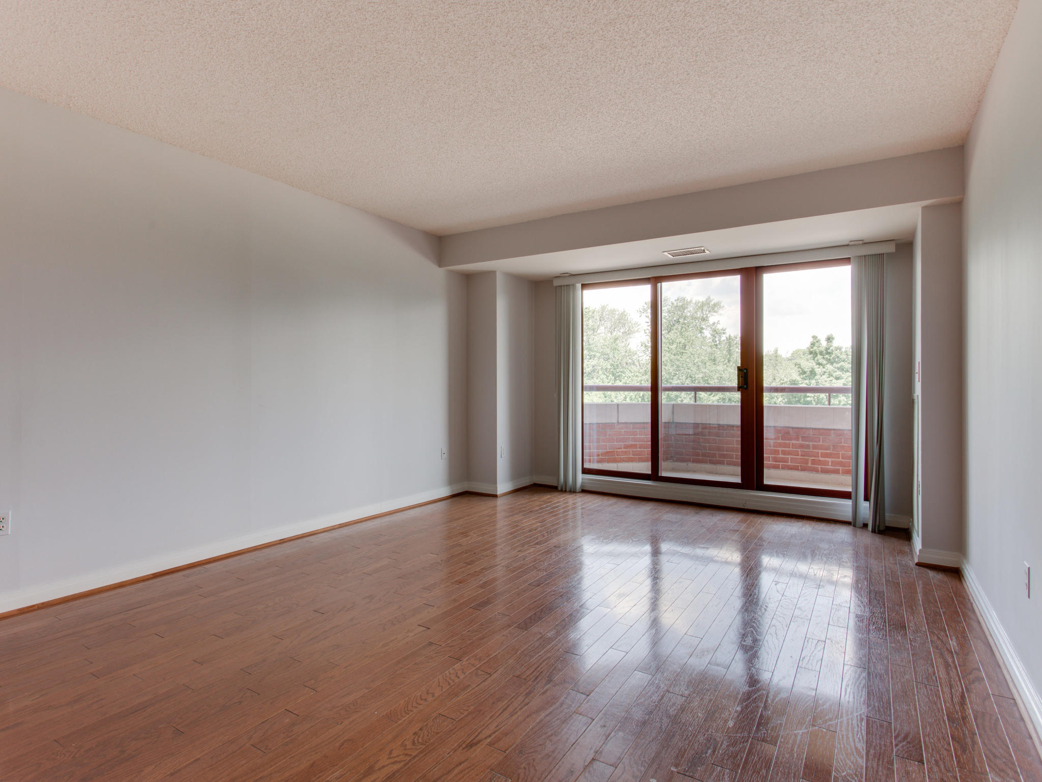 2301 N St NW 417 Northwest-MLS_Size-030-47-Living Room-2048x1536-72dpi.jpg