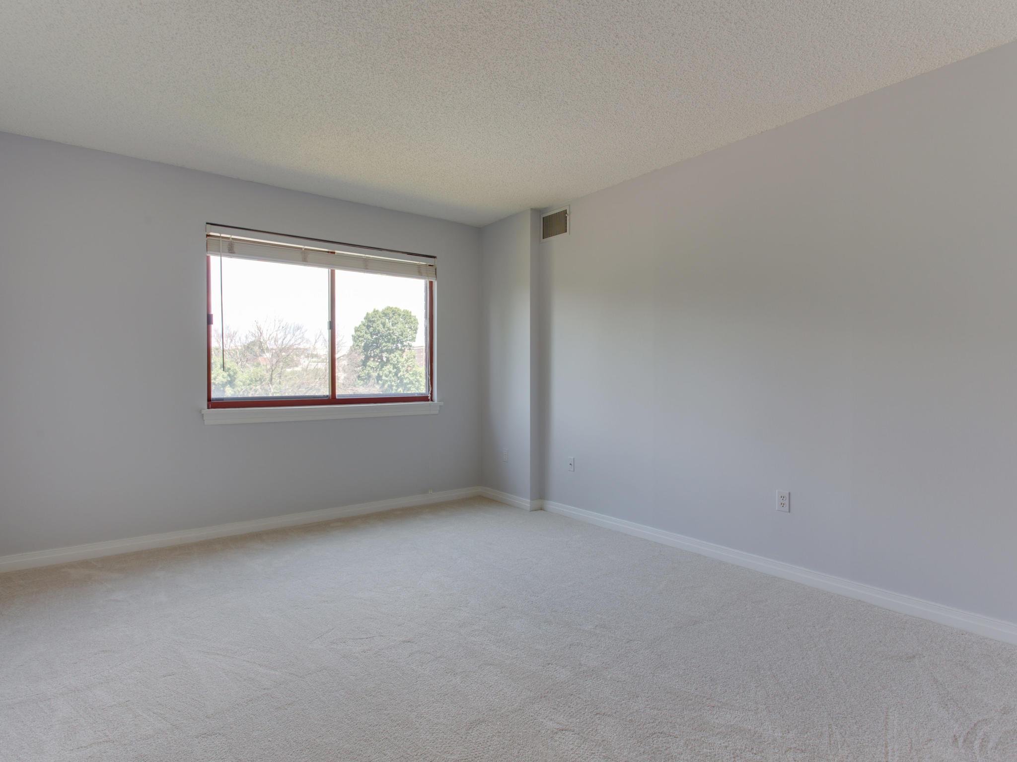 2301 N St NW 417 Northwest-MLS_Size-049-35-Master Bedroom-2048x1536-72dpi.jpg