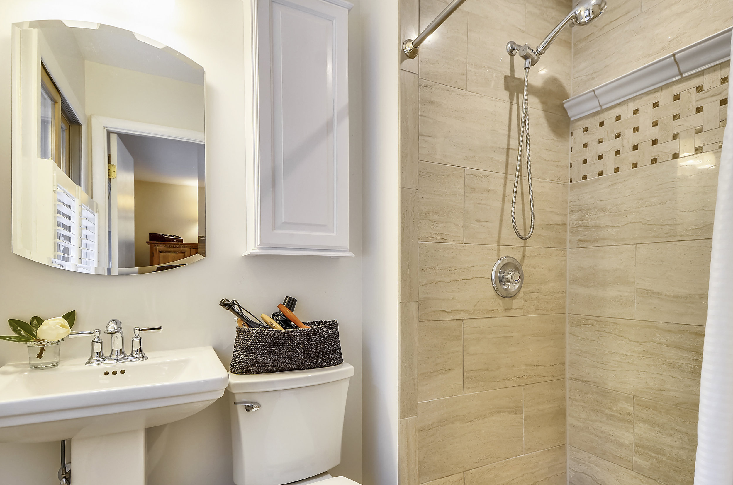 Main Level-Master Bath-_DSC5440.JPG