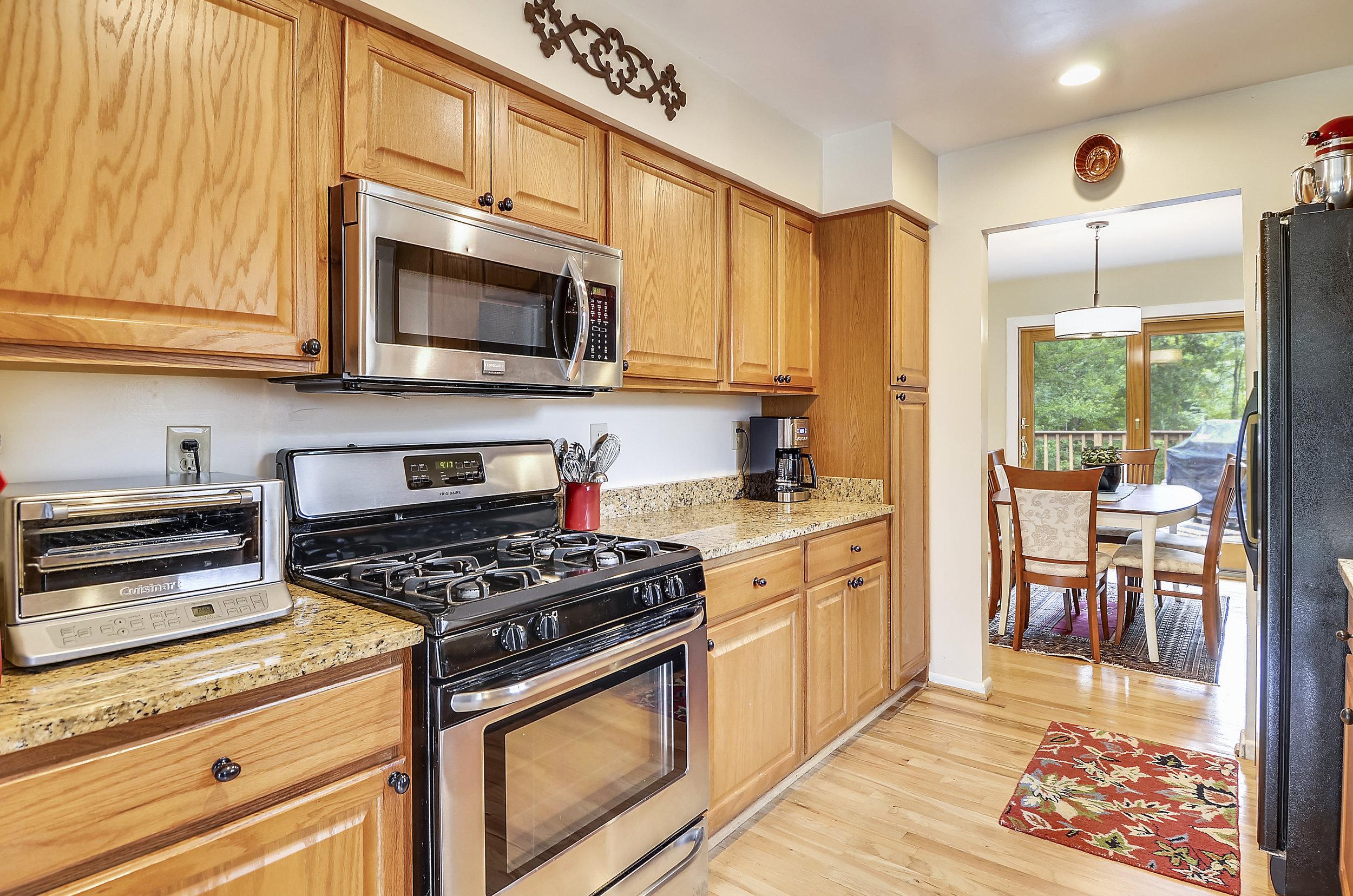 Main Level-Kitchen-_DSC5479.JPG