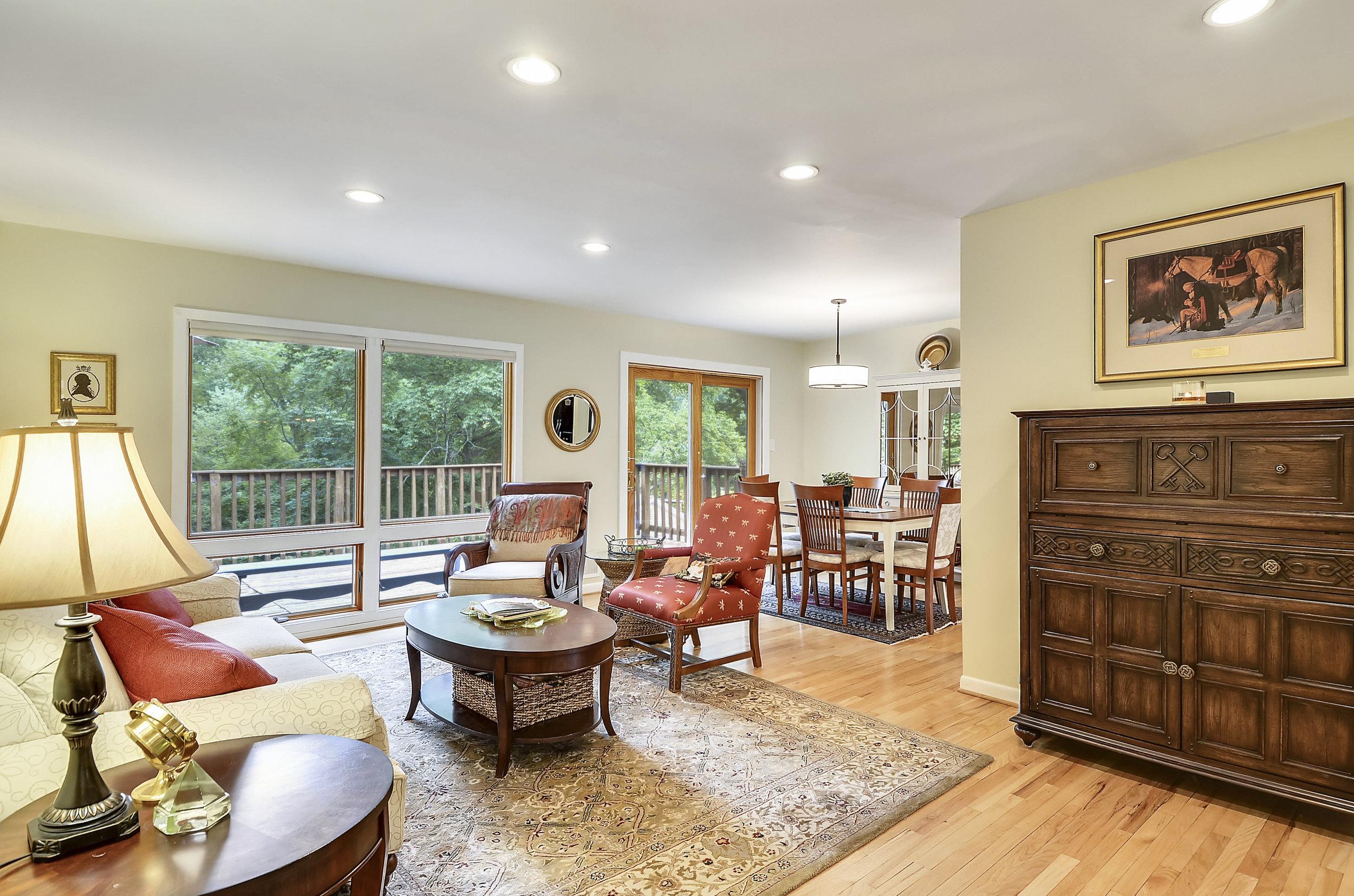 Main Level-Living Room-_DSC5506.JPG