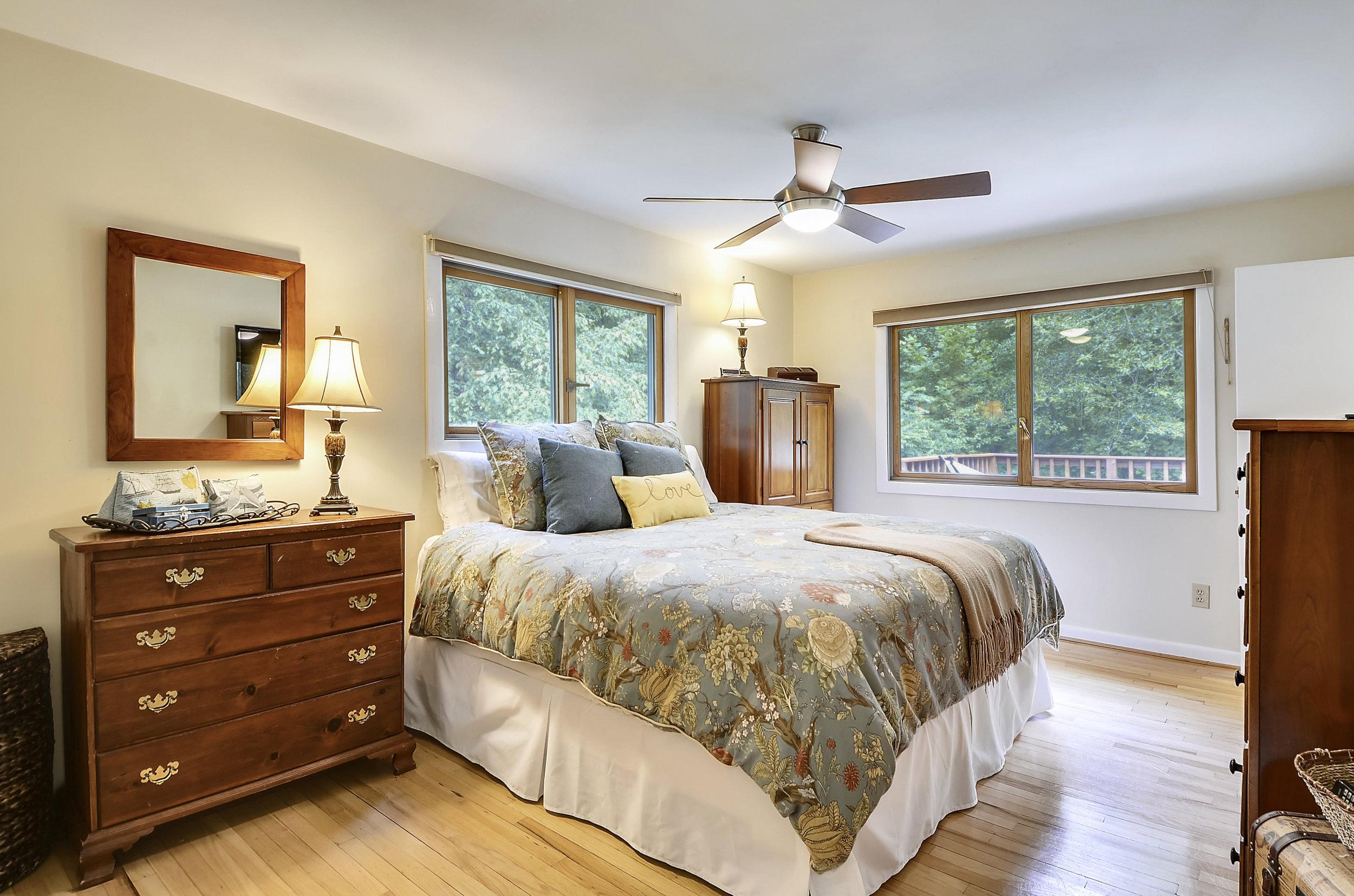 Main Level-Master Bedroom-_DSC5431.JPG