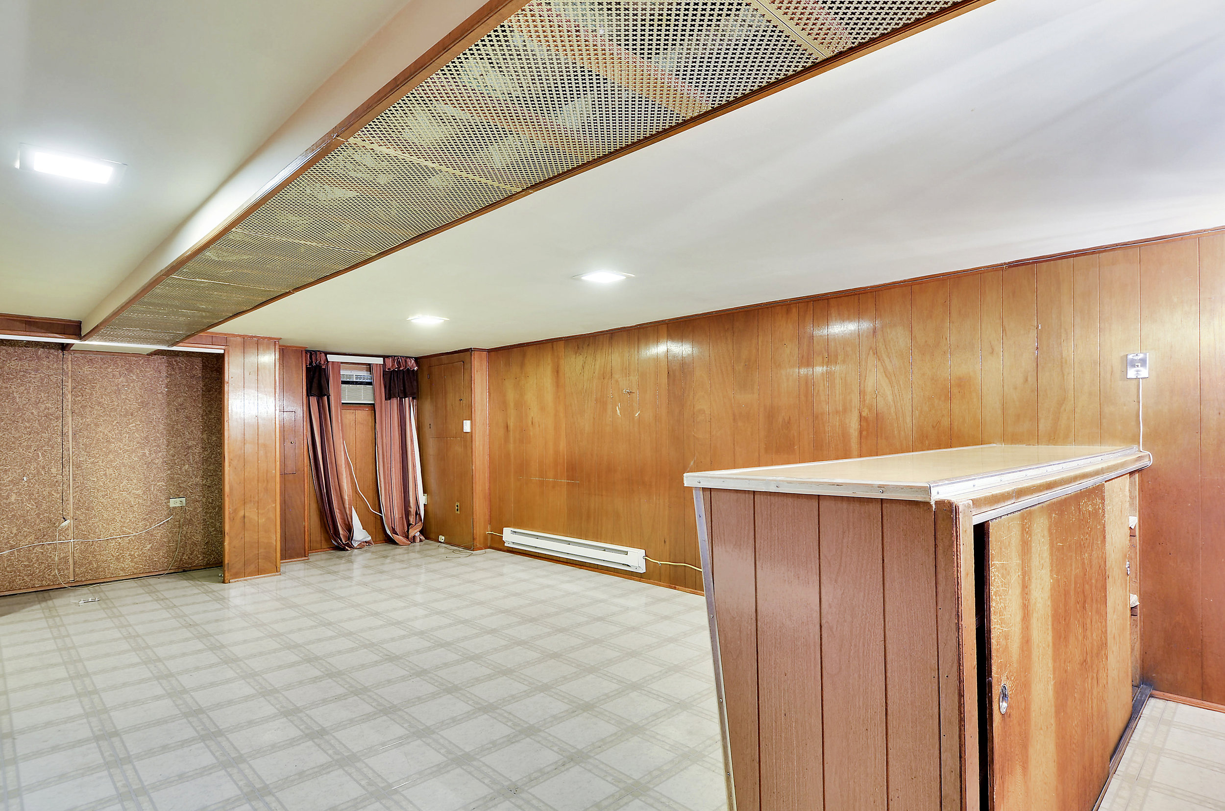 Lower Level-Recreation Room-DSC9756.JPG