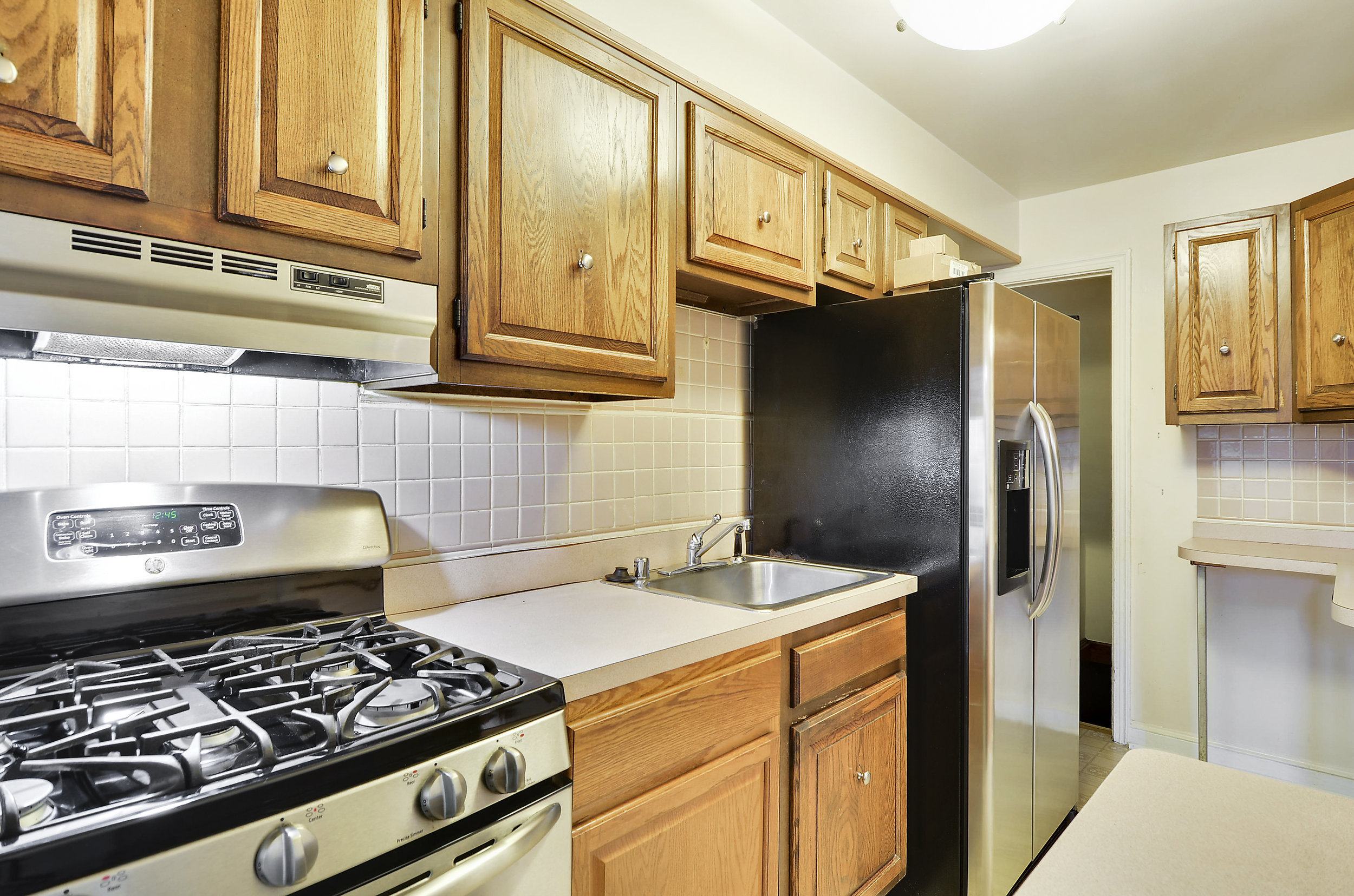 Main Level-Kitchen-DSC9747.JPG