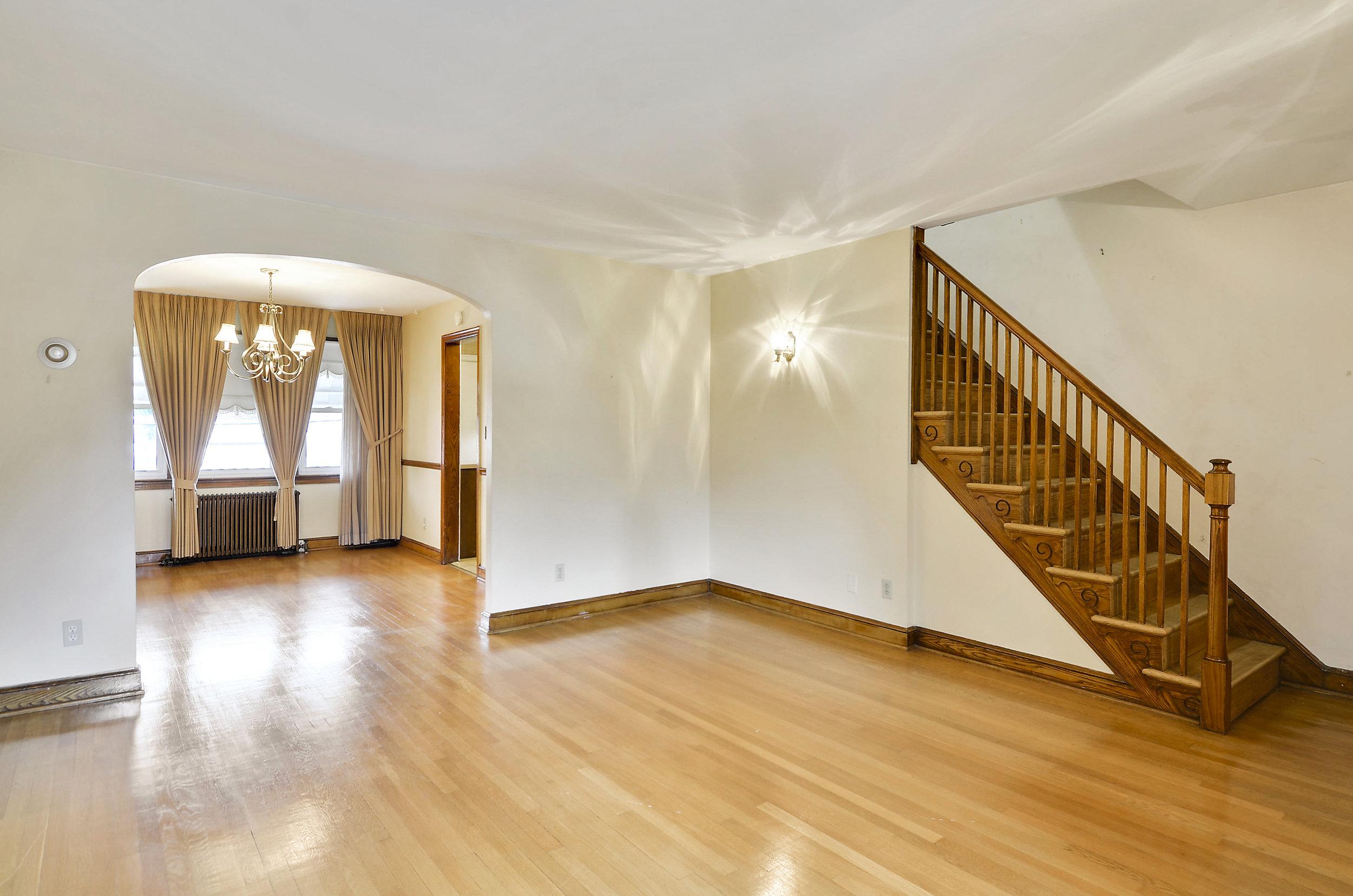 Main Level-Living Room-DSC9729.JPG