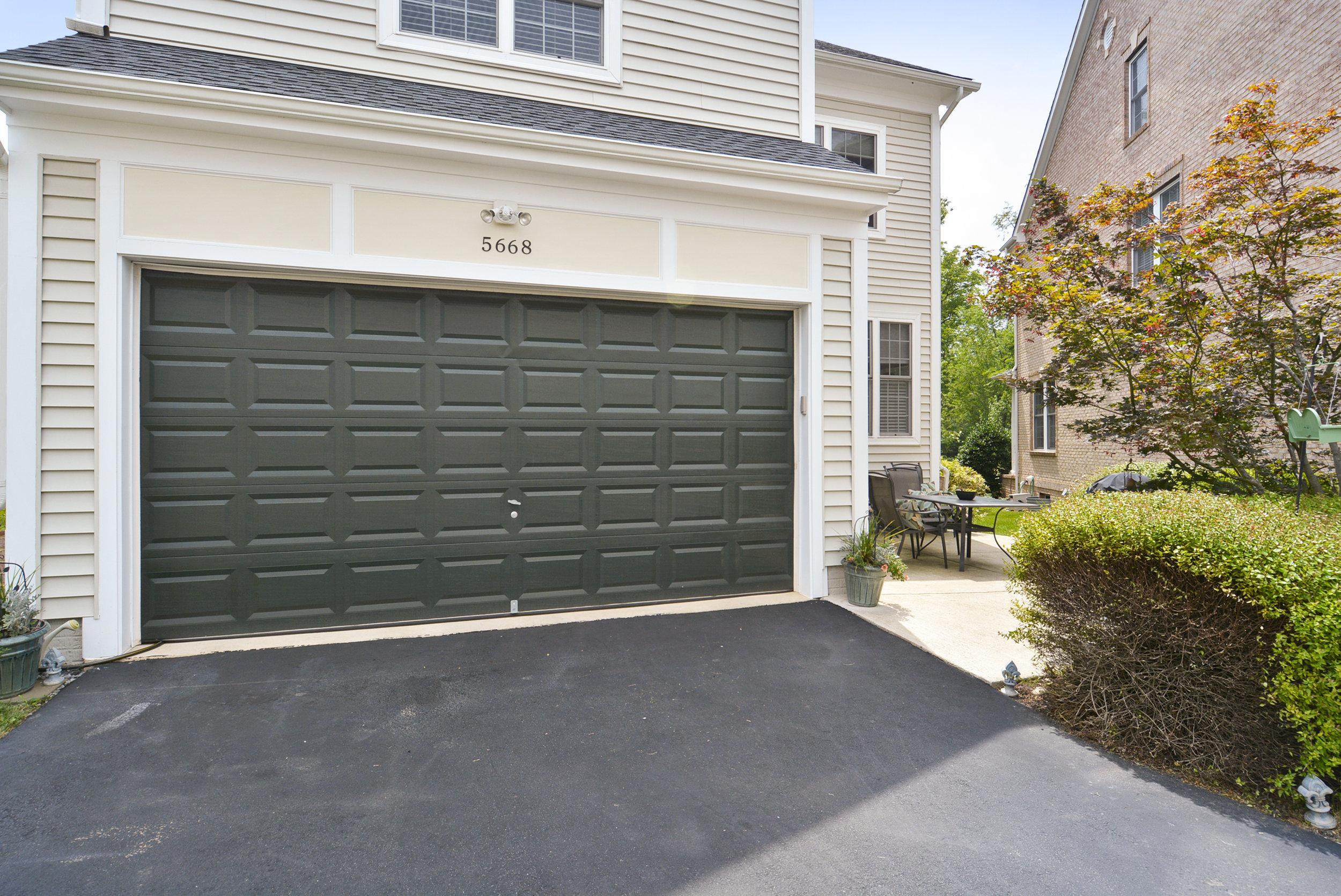 Main Level-Garage-_DSC6704.JPG