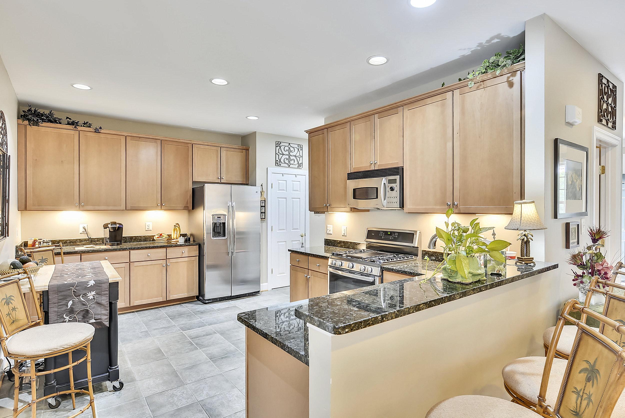 Main Level-Kitchen-_DSC6605.JPG