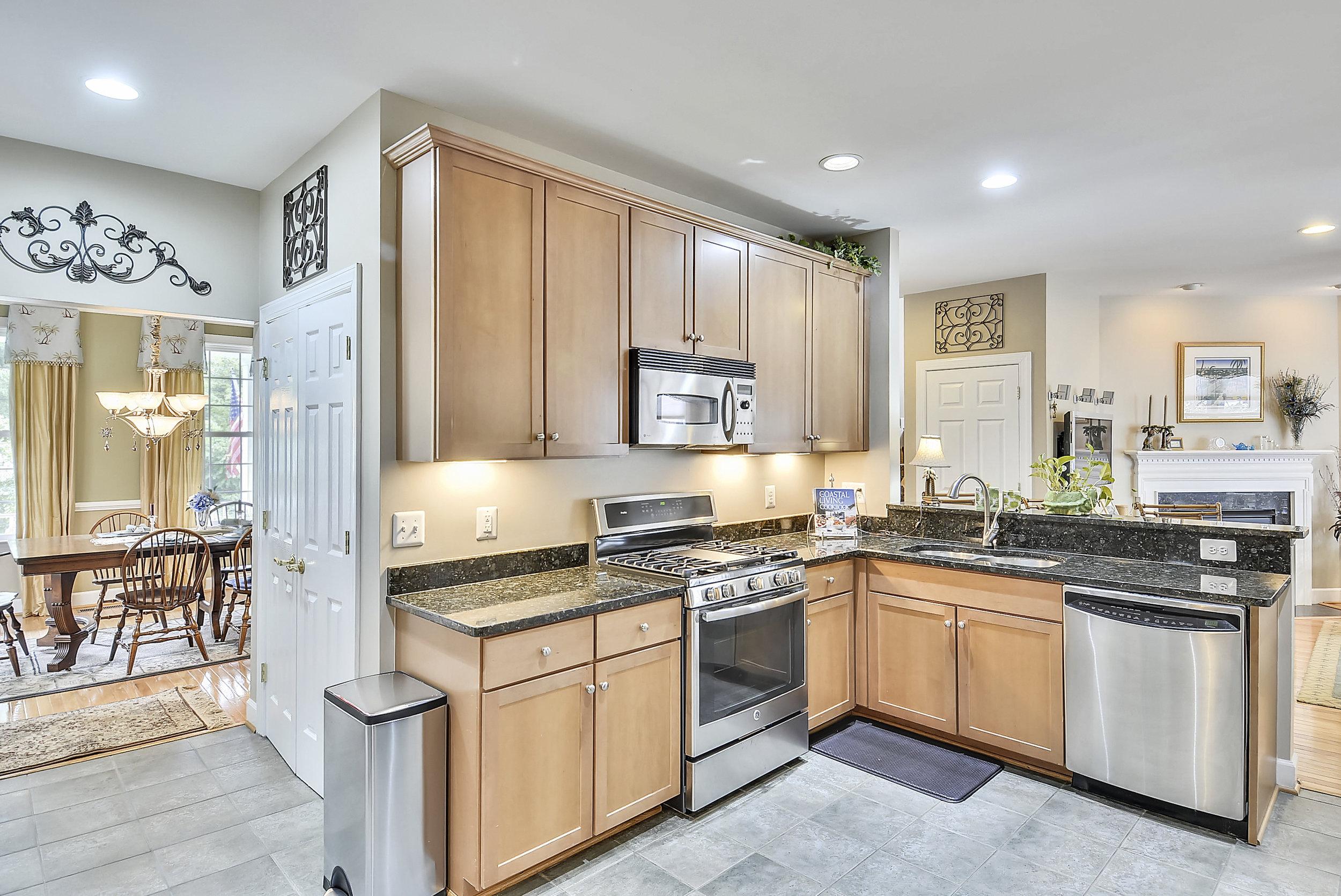 Main Level-Kitchen-_DSC6615.JPG