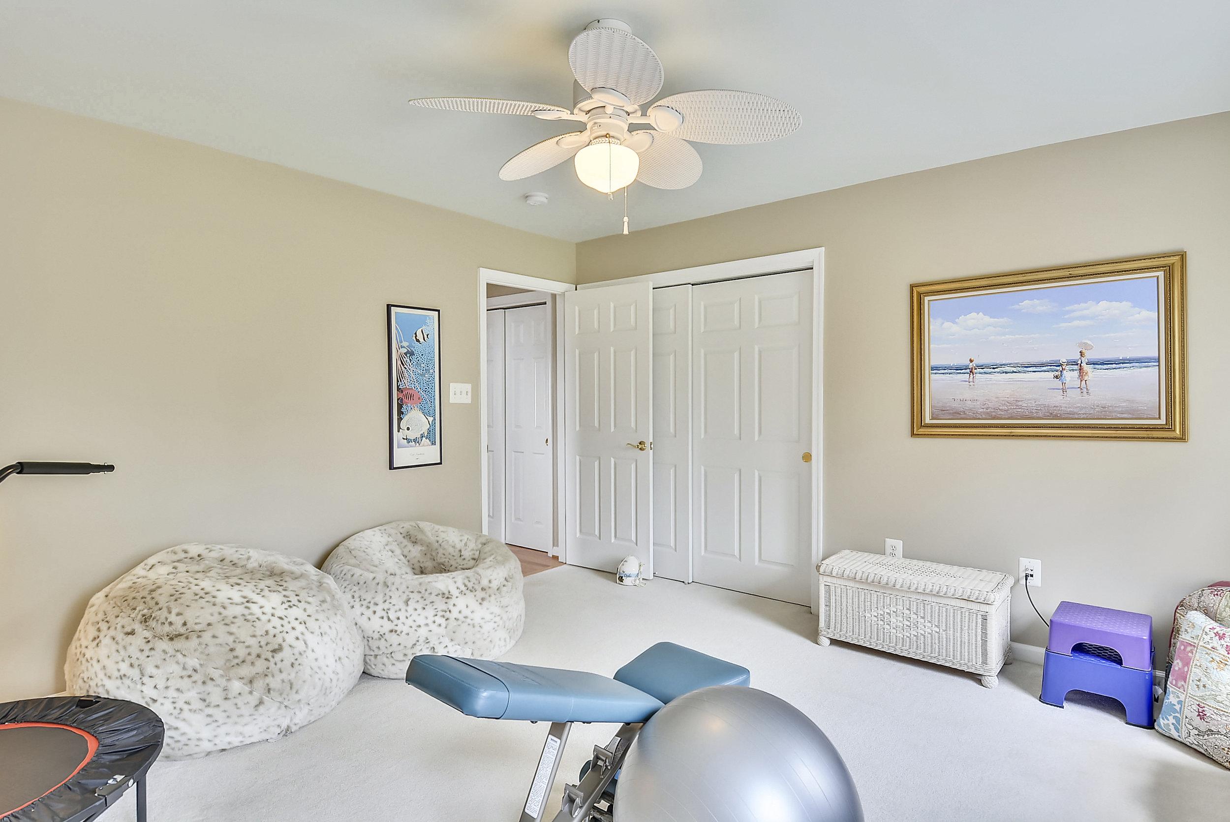 Upper Level 1-Bedroom-_DSC6580.JPG