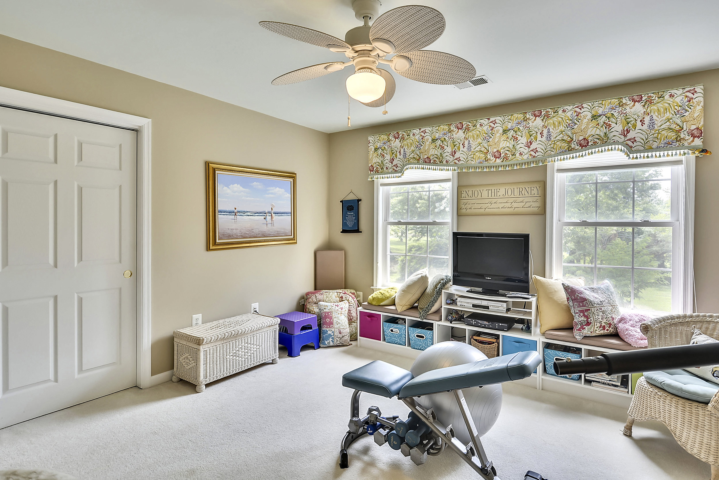 Upper Level 1-Bedroom-_DSC6575.JPG