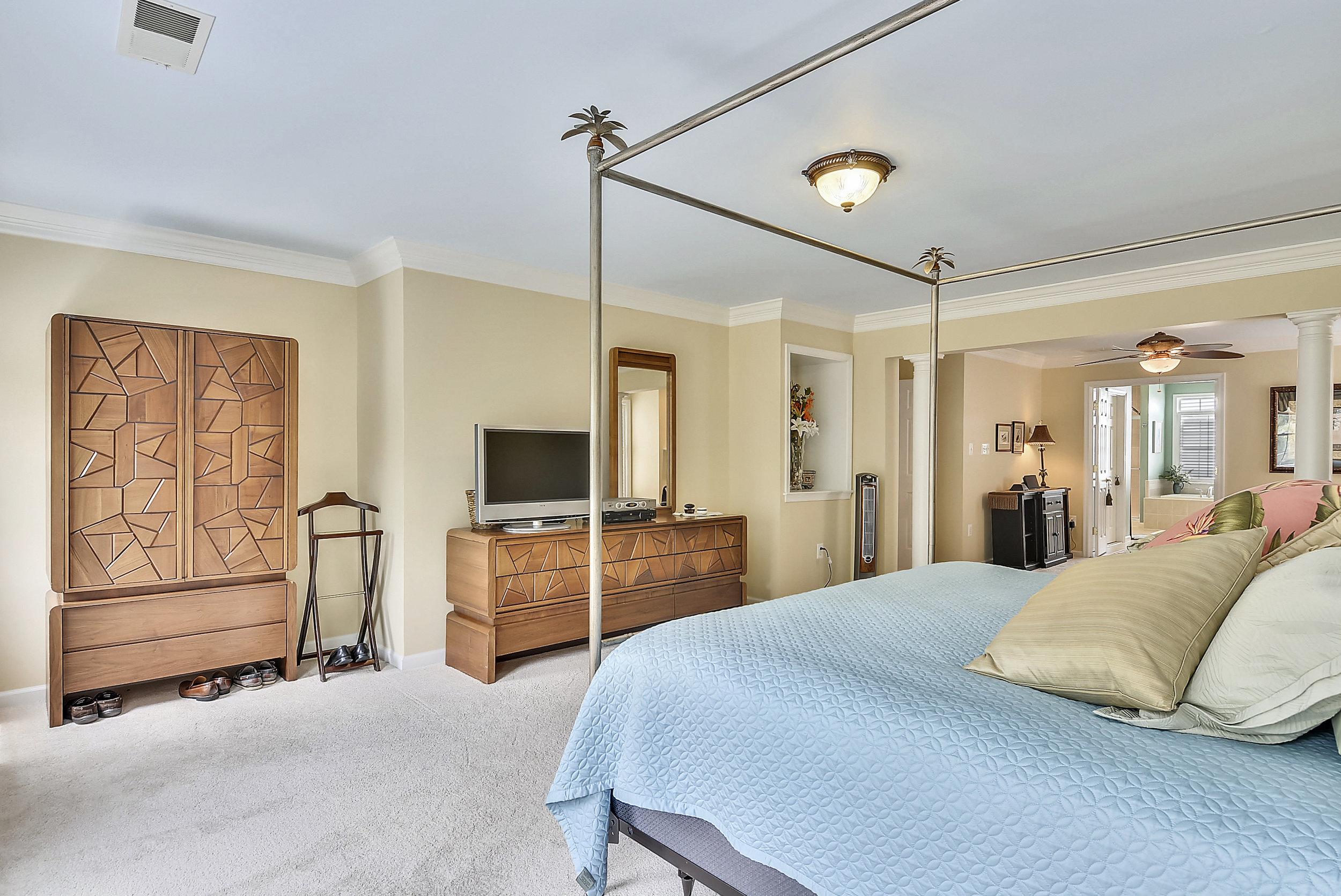 Upper Level 1-Master Bedroom-_DSC6490.JPG