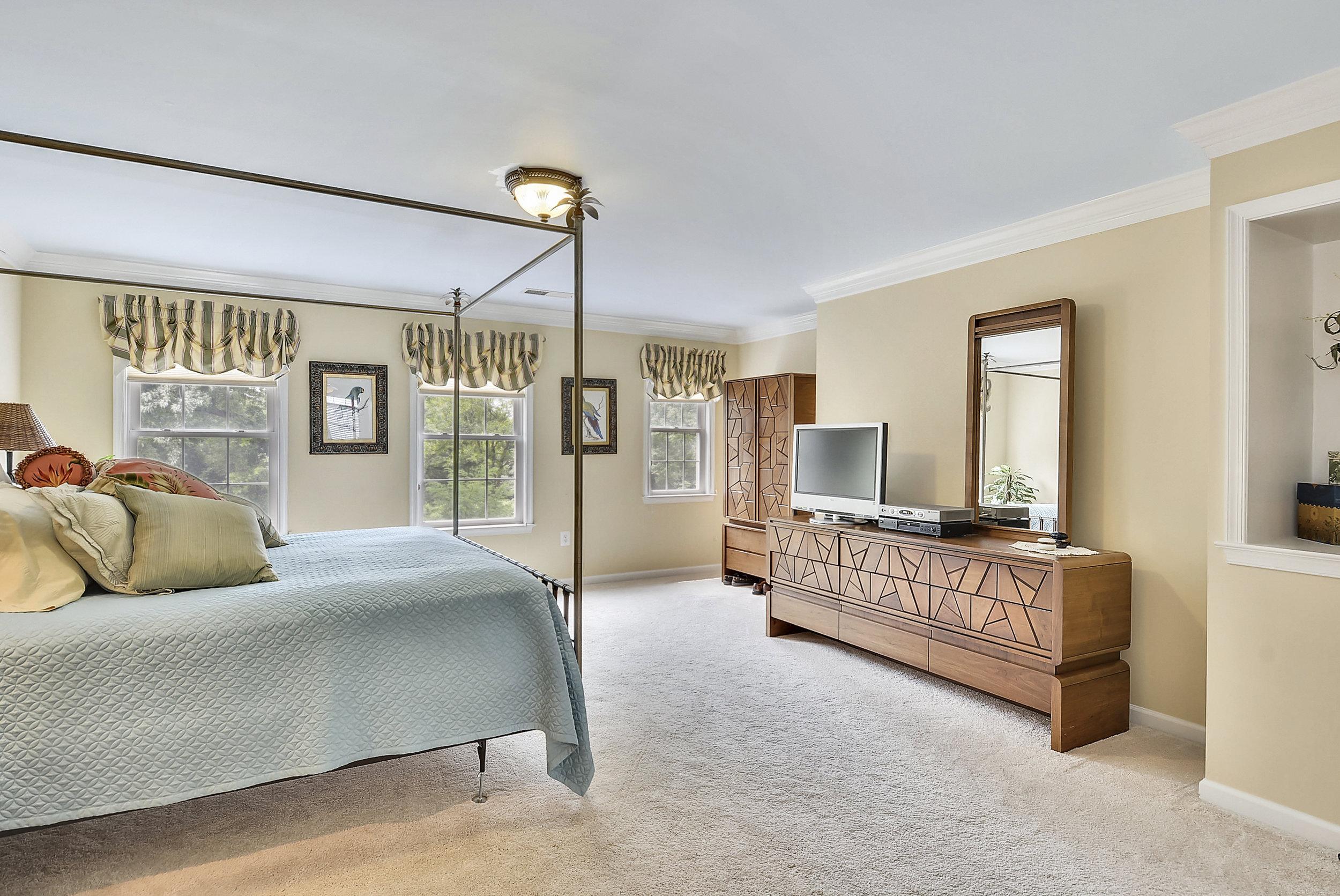Upper Level 1-Master Bedroom-_DSC6495.JPG