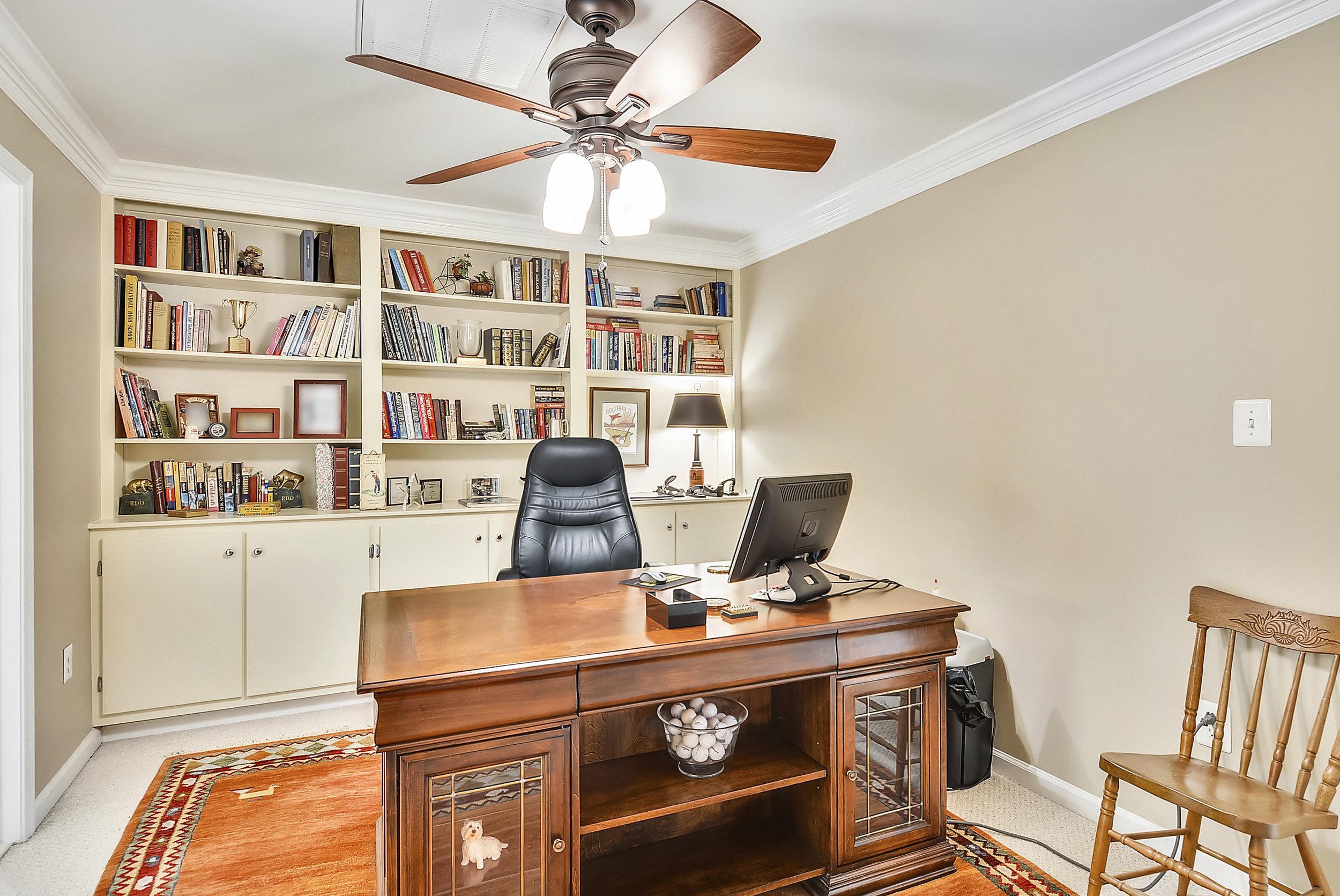Upper Level 2-Sitting Room-_DSC6435.JPG