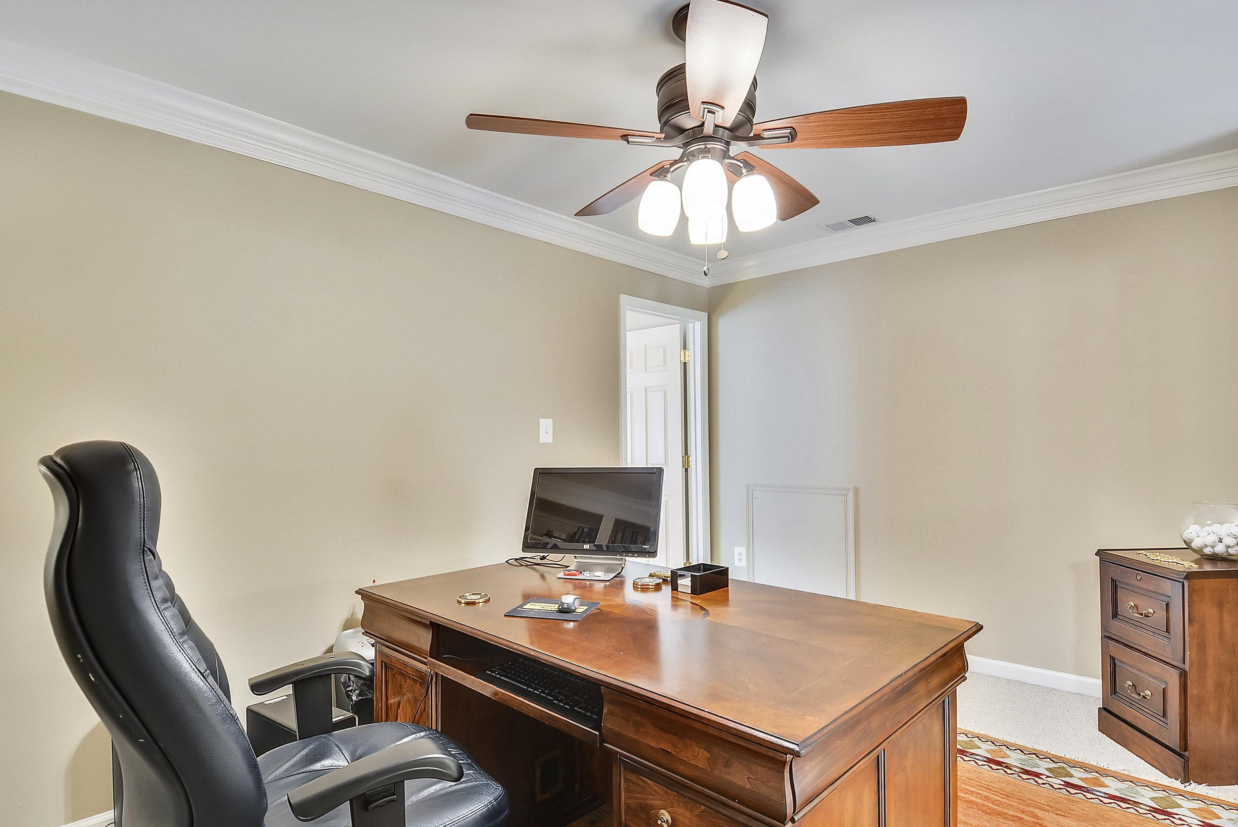 Upper Level 2-Sitting Room-_DSC6445.JPG