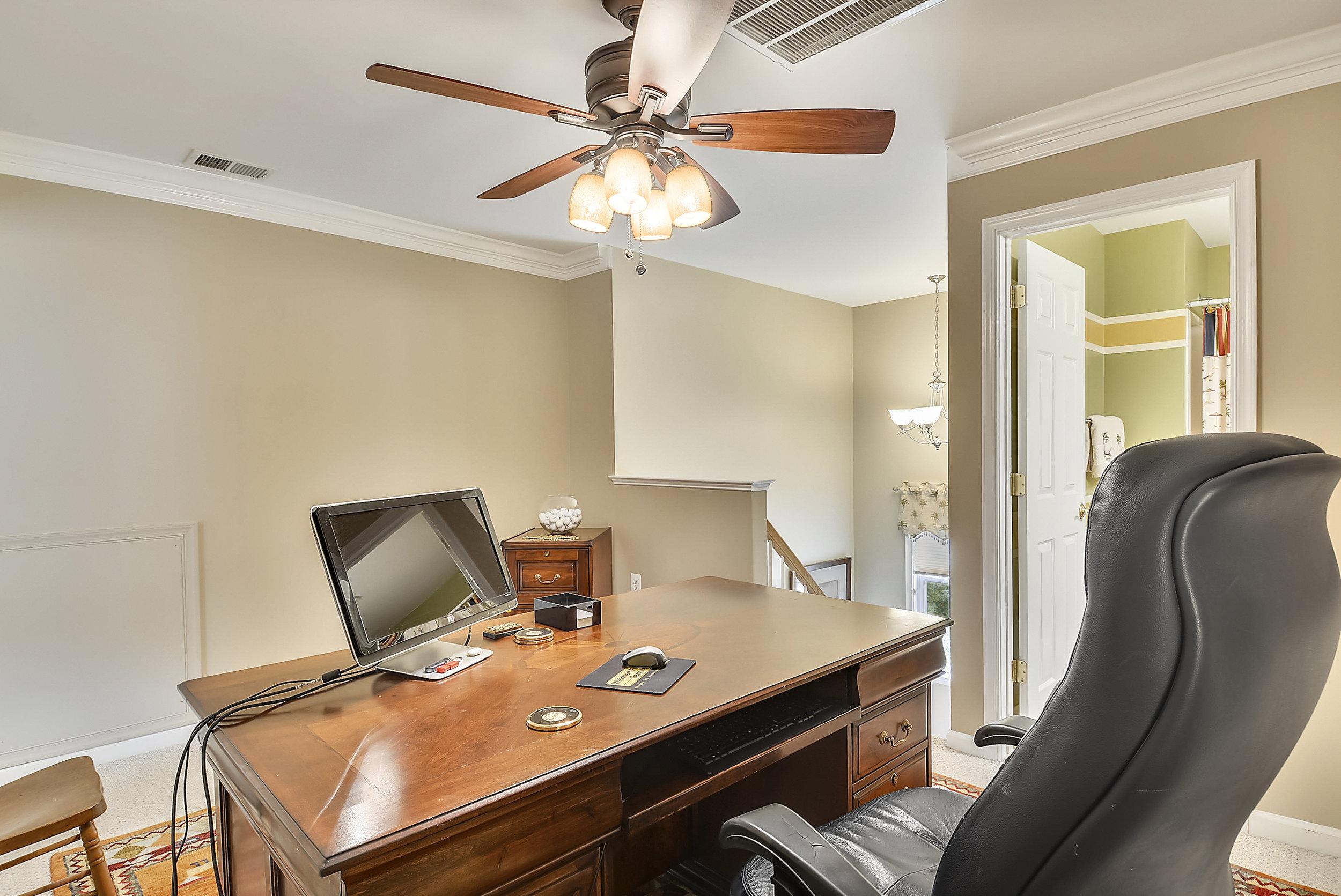 Upper Level 2-Sitting Room-_DSC6450.JPG