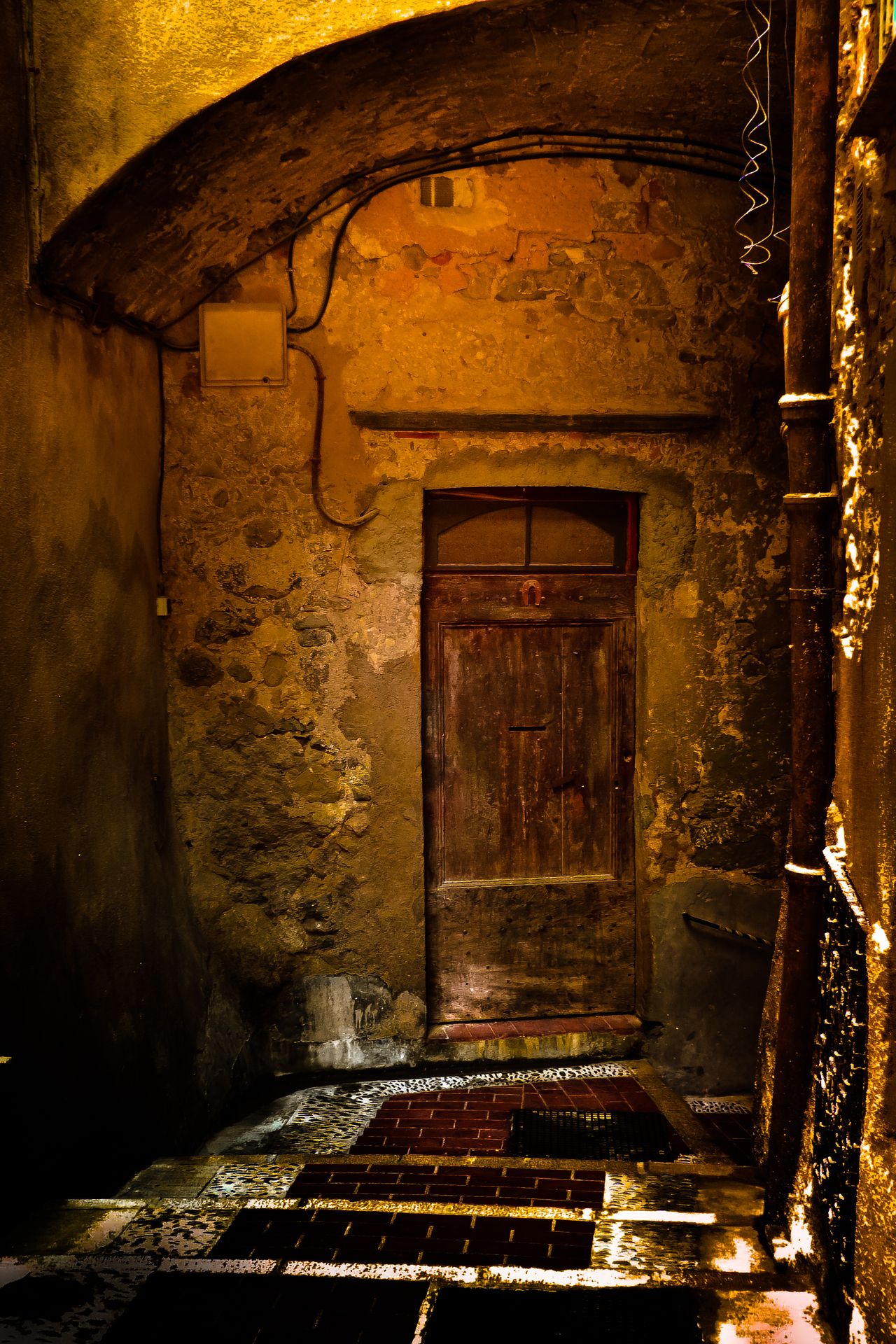 A-closed-door-by-Rucsandra-Calin-Downloaded-from-500px.jpg