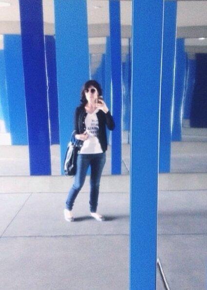 Art museum selfie.