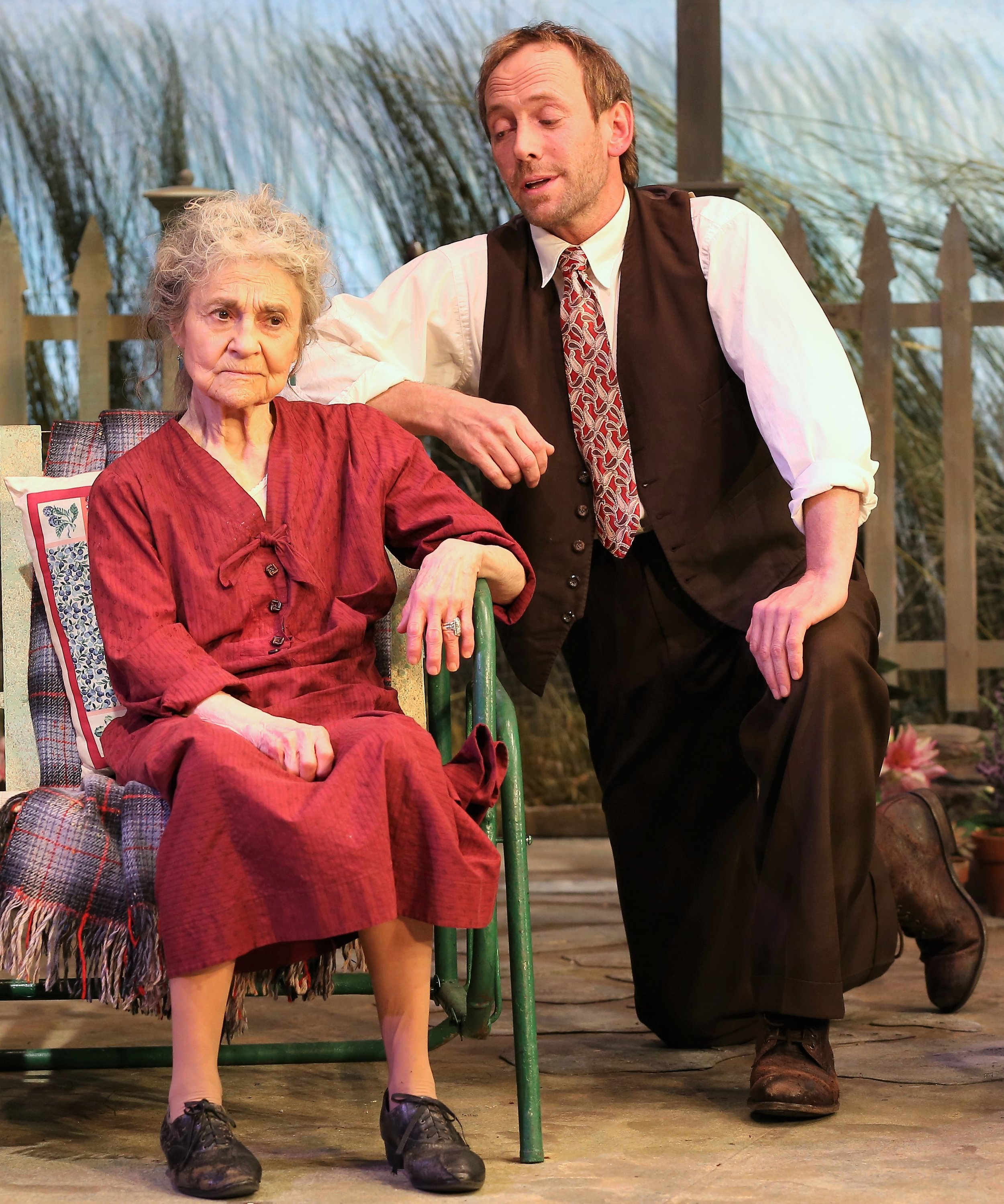 Cohen and Sosko in  The Traveling Lady . Photographs by Carol Rosegg.